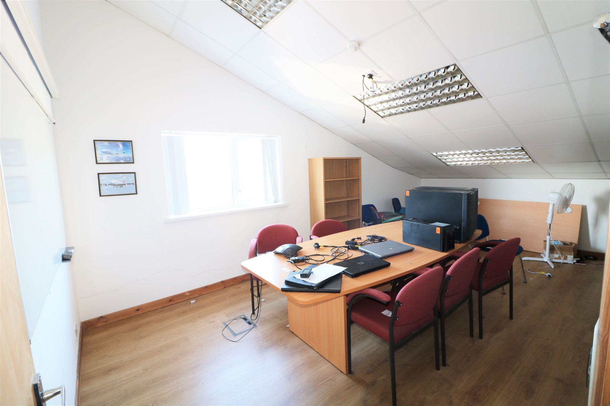 Business Park To Rent - Photograph 15