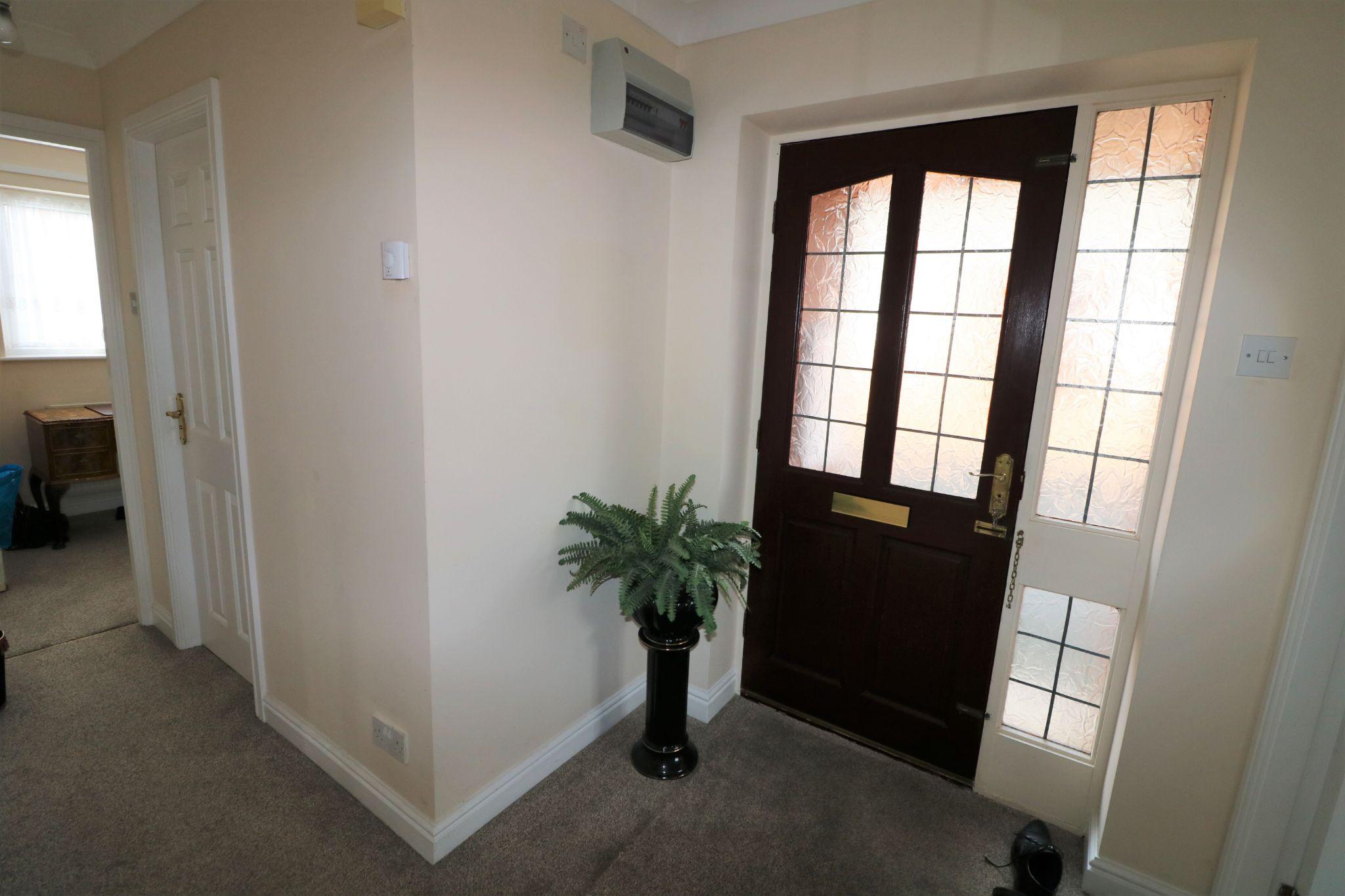 2 Bedroom Detached Bungalow For Sale - Photograph 12