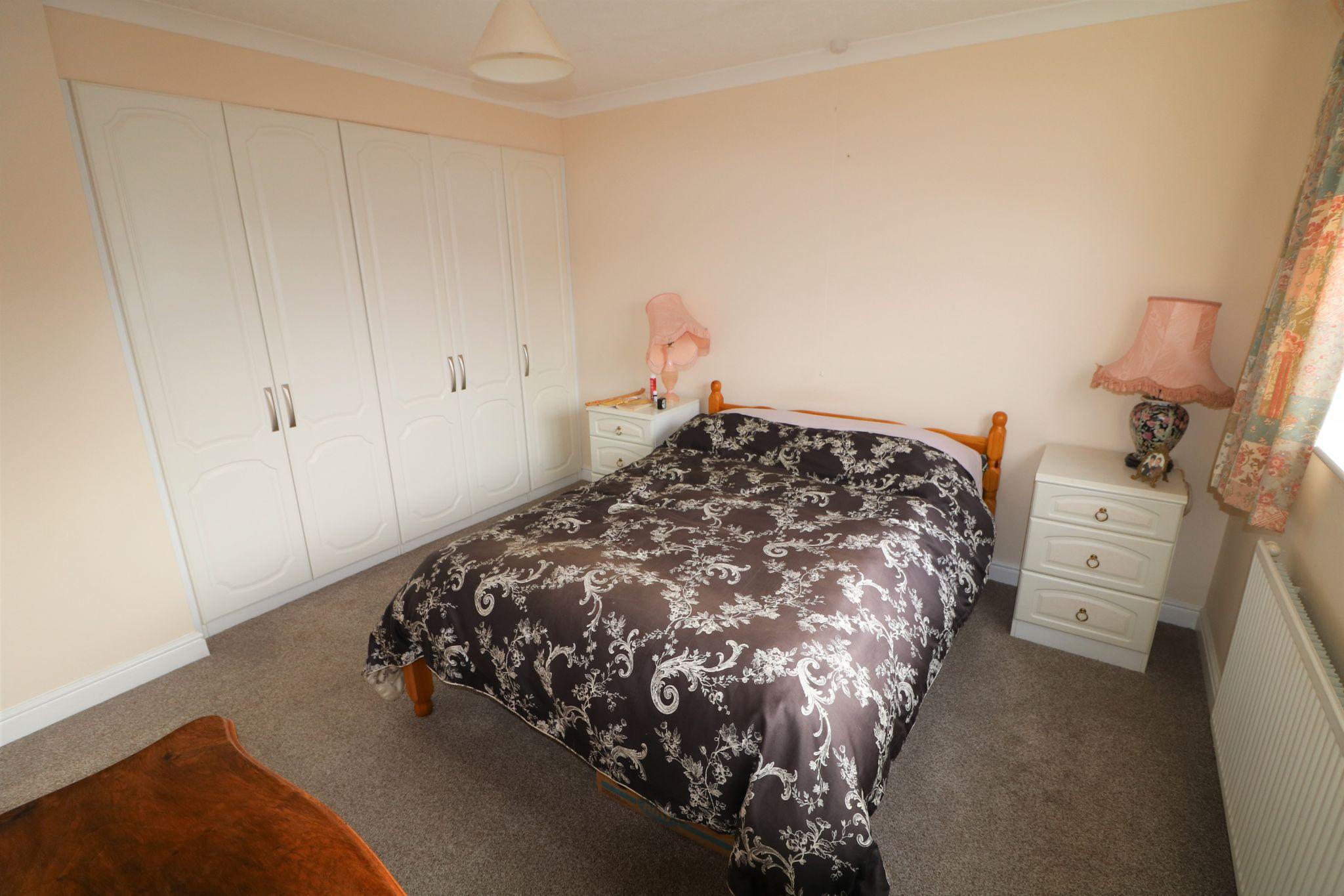 2 Bedroom Detached Bungalow For Sale - Photograph 8