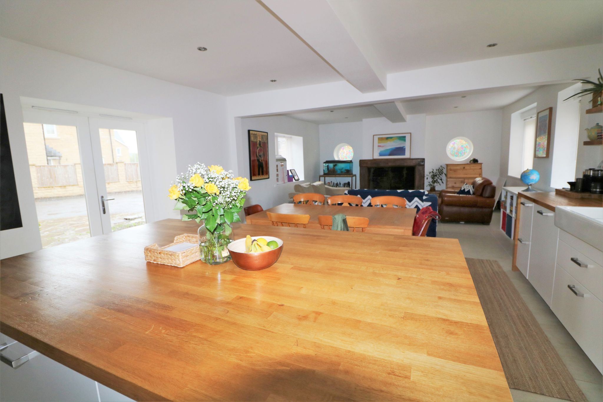6 Bedroom Detached House For Sale - Photograph 9