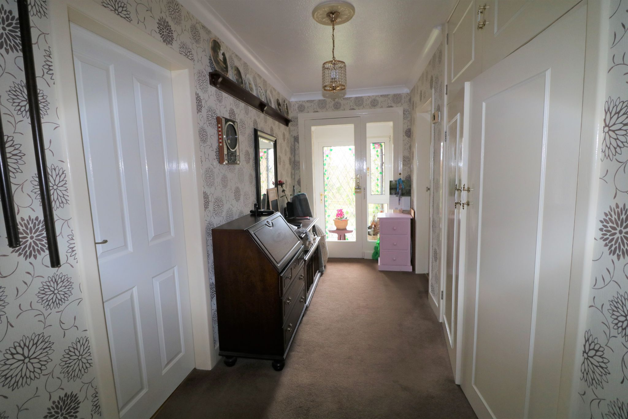 2 Bedroom Semi-detached House For Sale - Photograph 10