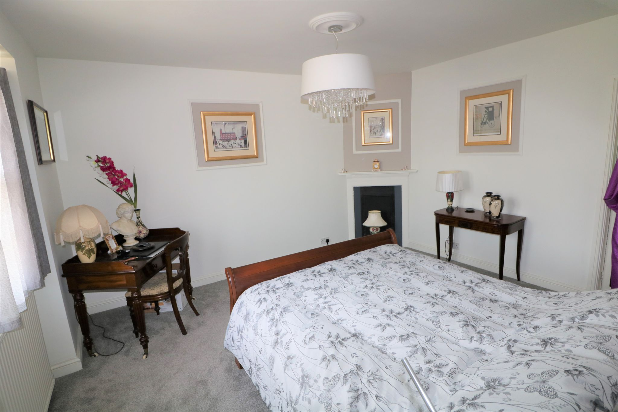 6 Bedroom Semi-detached House For Sale - Photograph 16