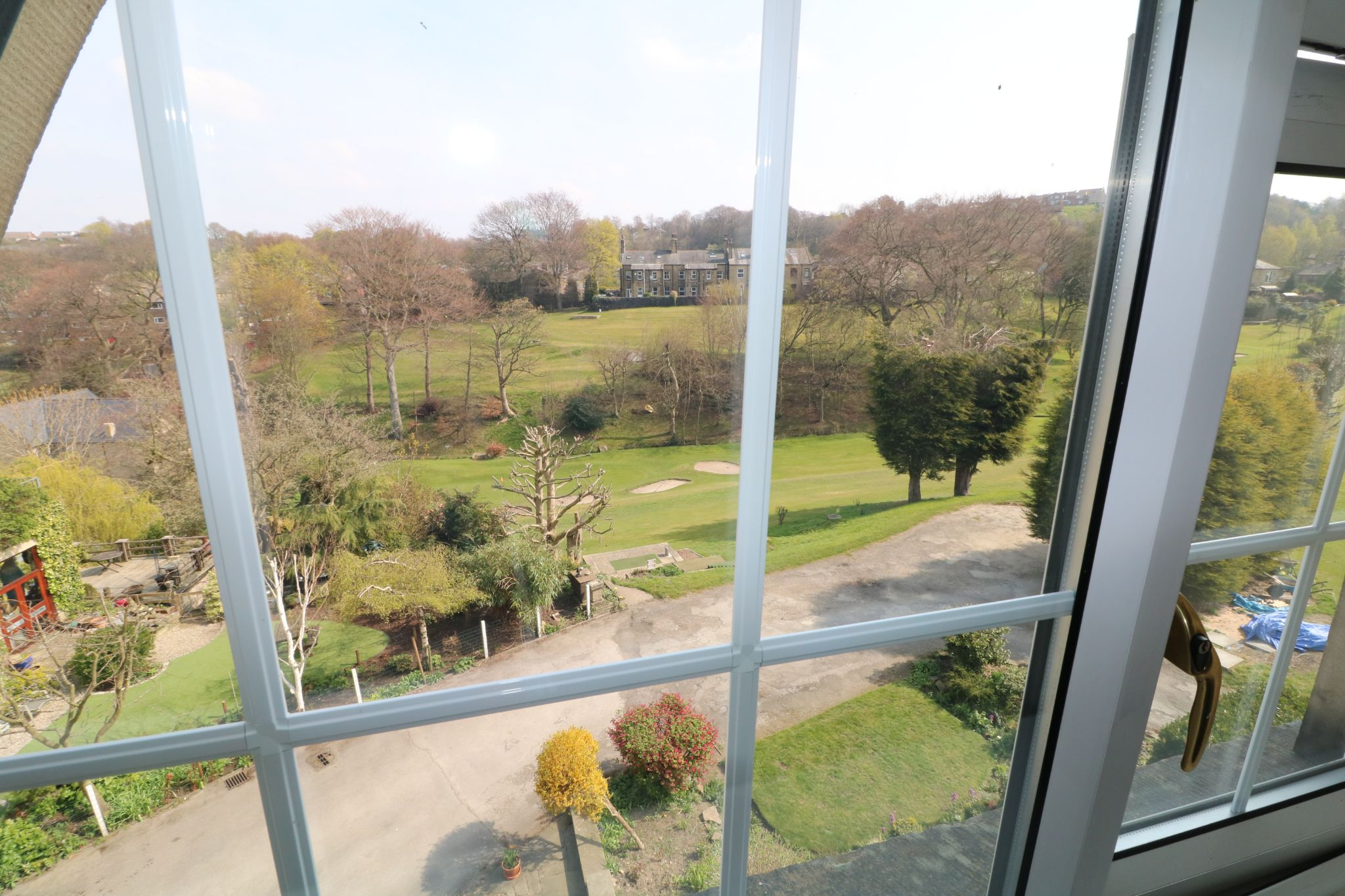 6 Bedroom Semi-detached House For Sale - Photograph 27