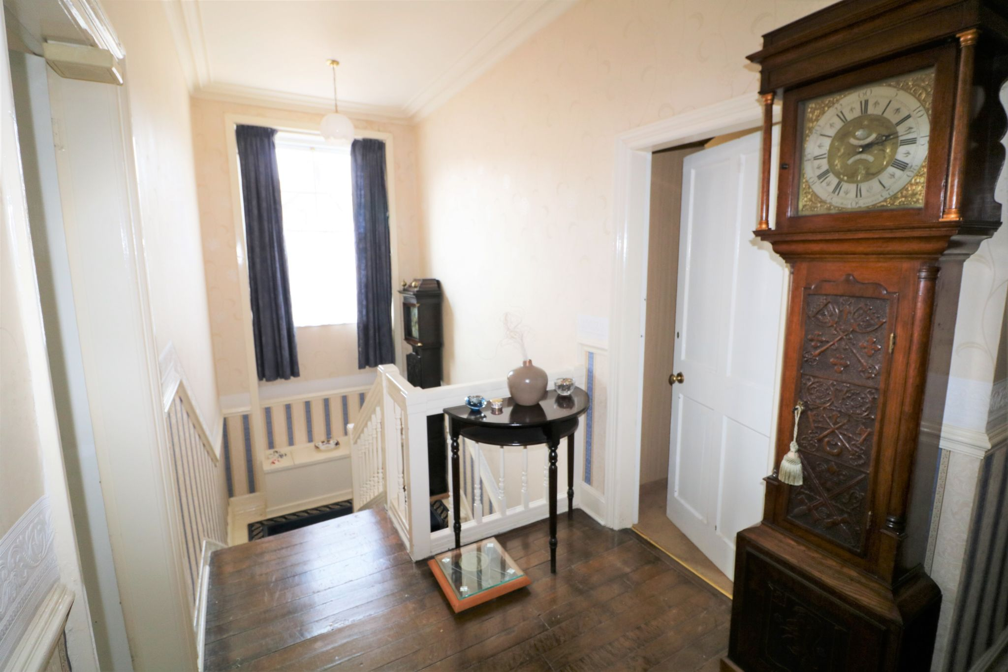 6 Bedroom Semi-detached House For Sale - Photograph 21