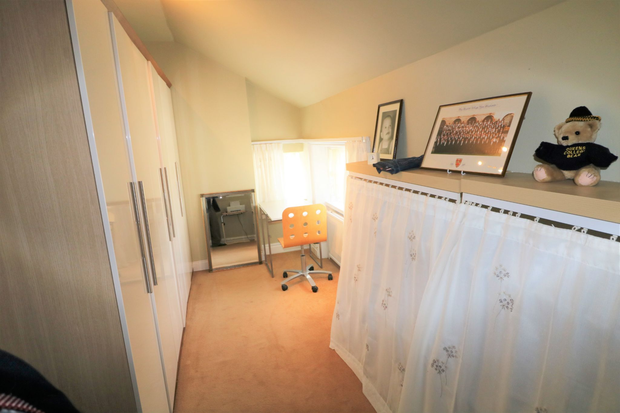 6 Bedroom Semi-detached House For Sale - Photograph 22