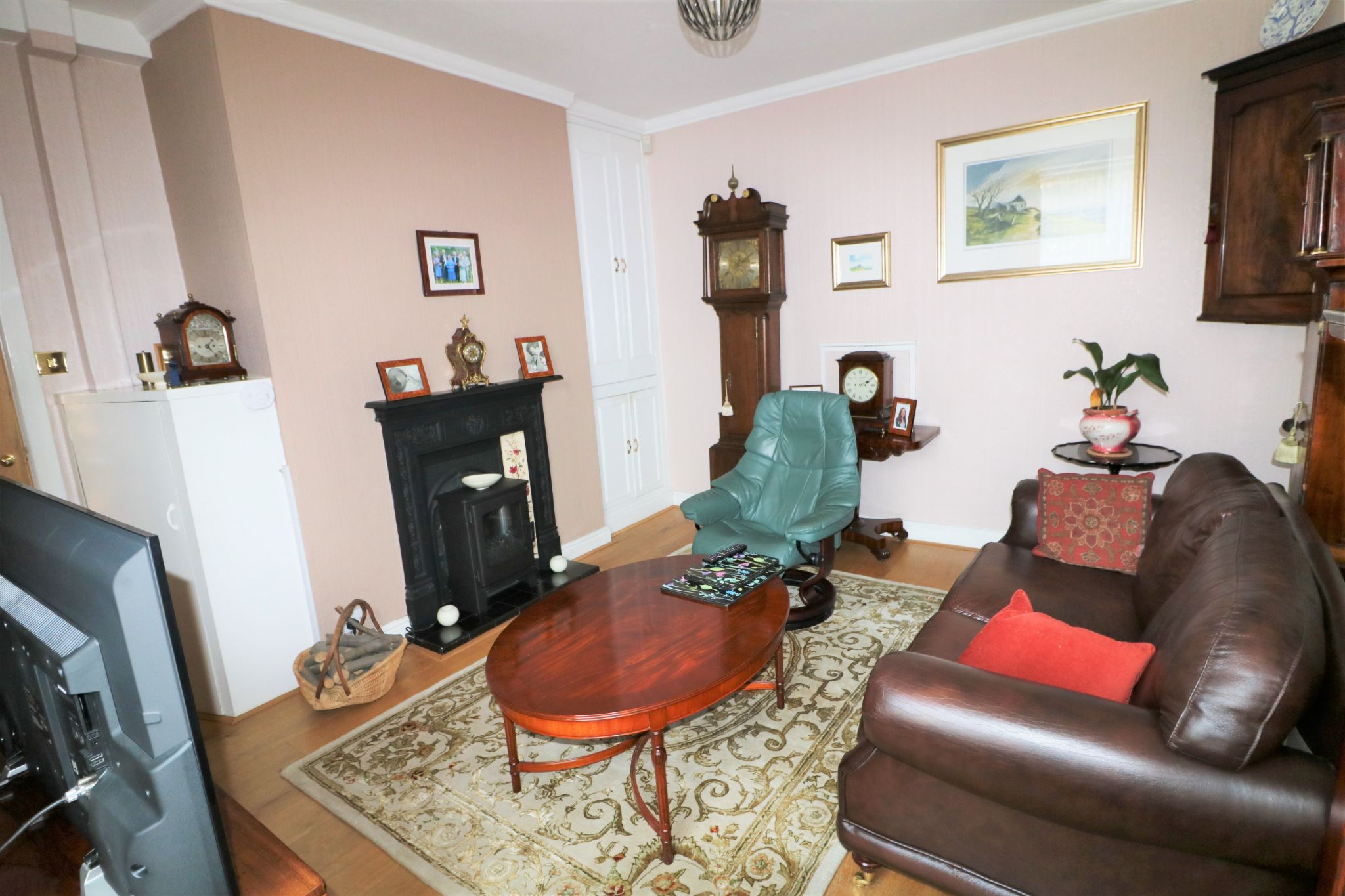 6 Bedroom Semi-detached House For Sale - Photograph 11