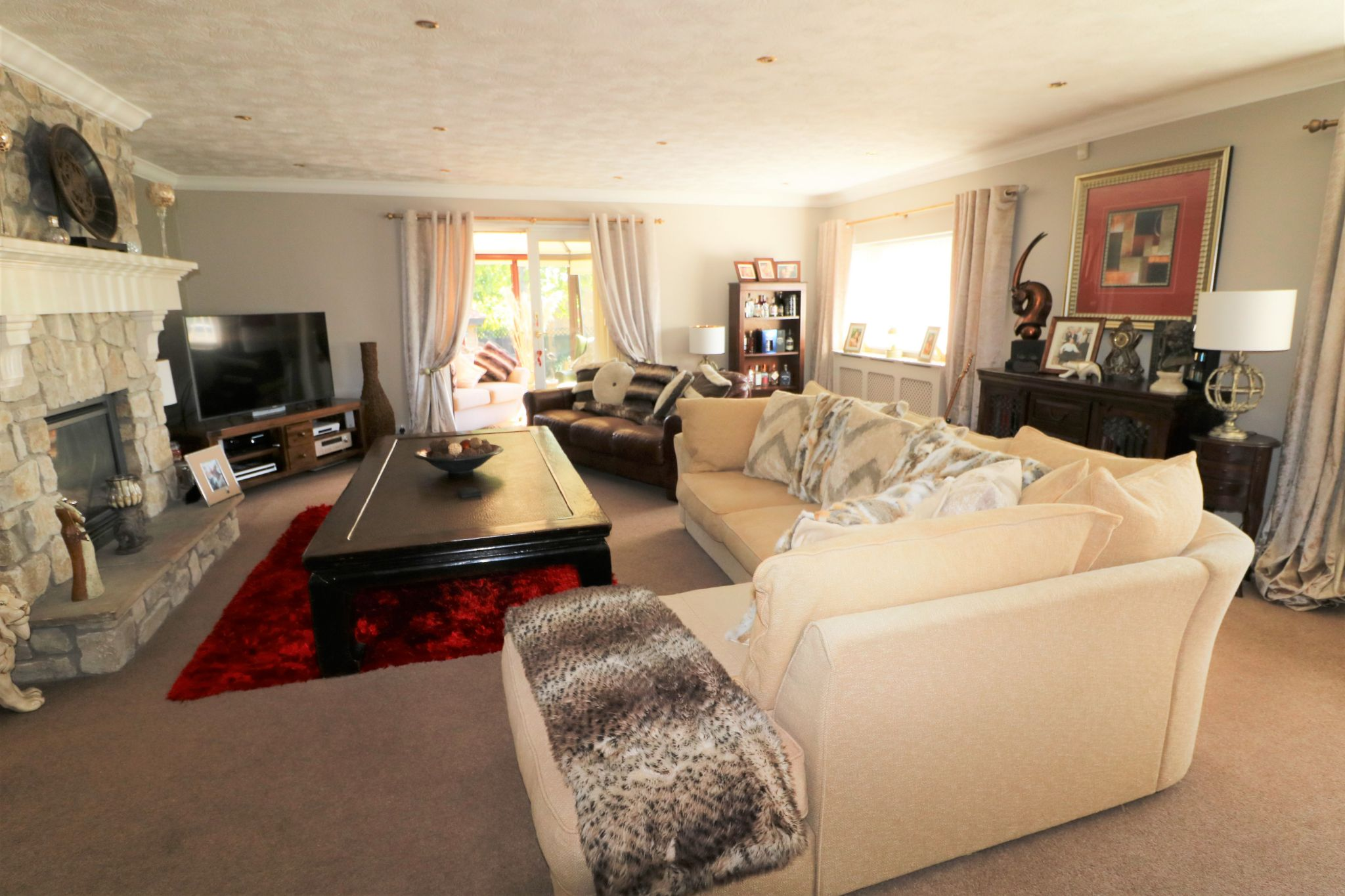 3 Bedroom Detached Bungalow For Sale - Photograph 11