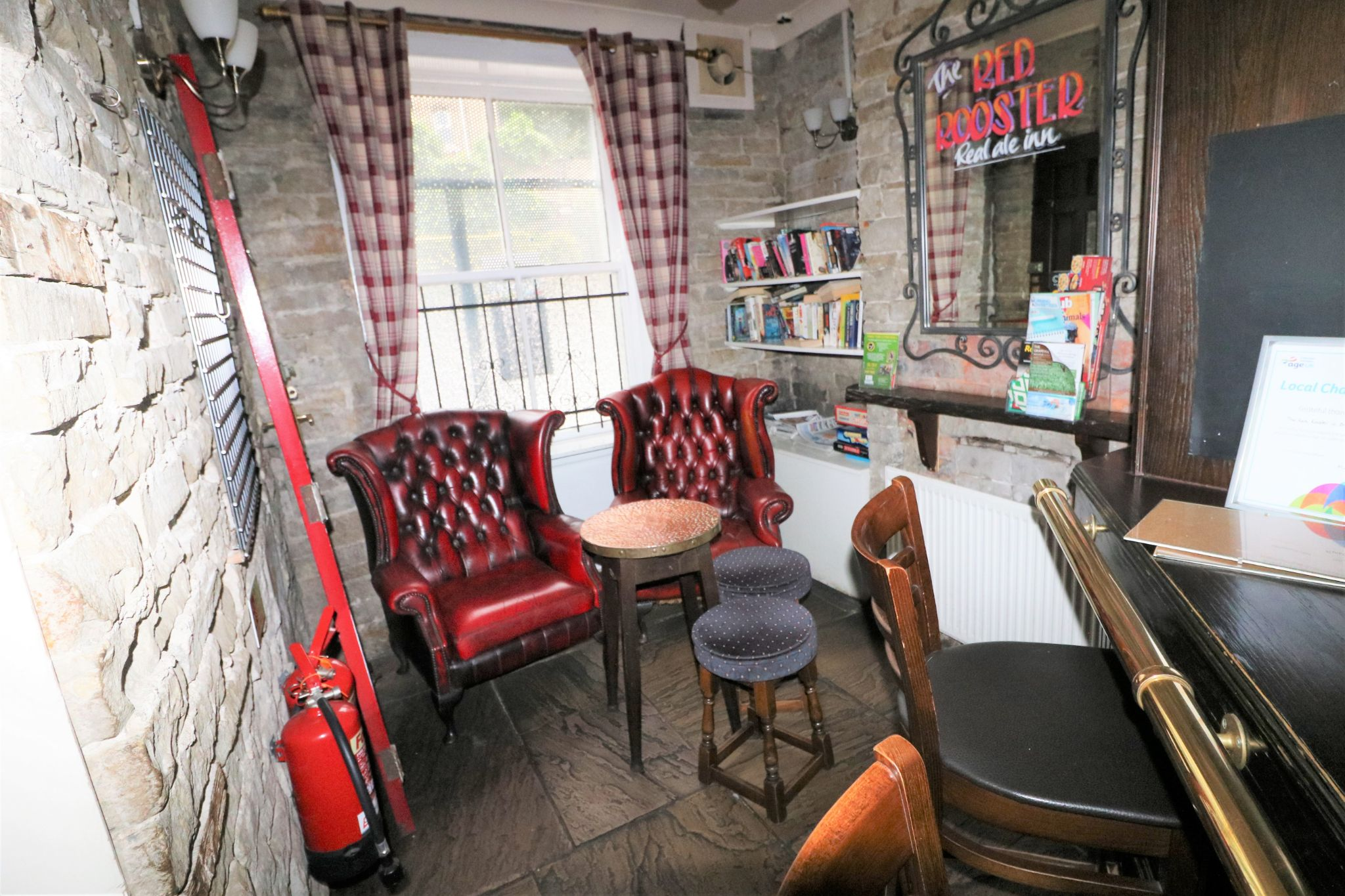 3 Bedroom Public House To Rent - Photograph 8