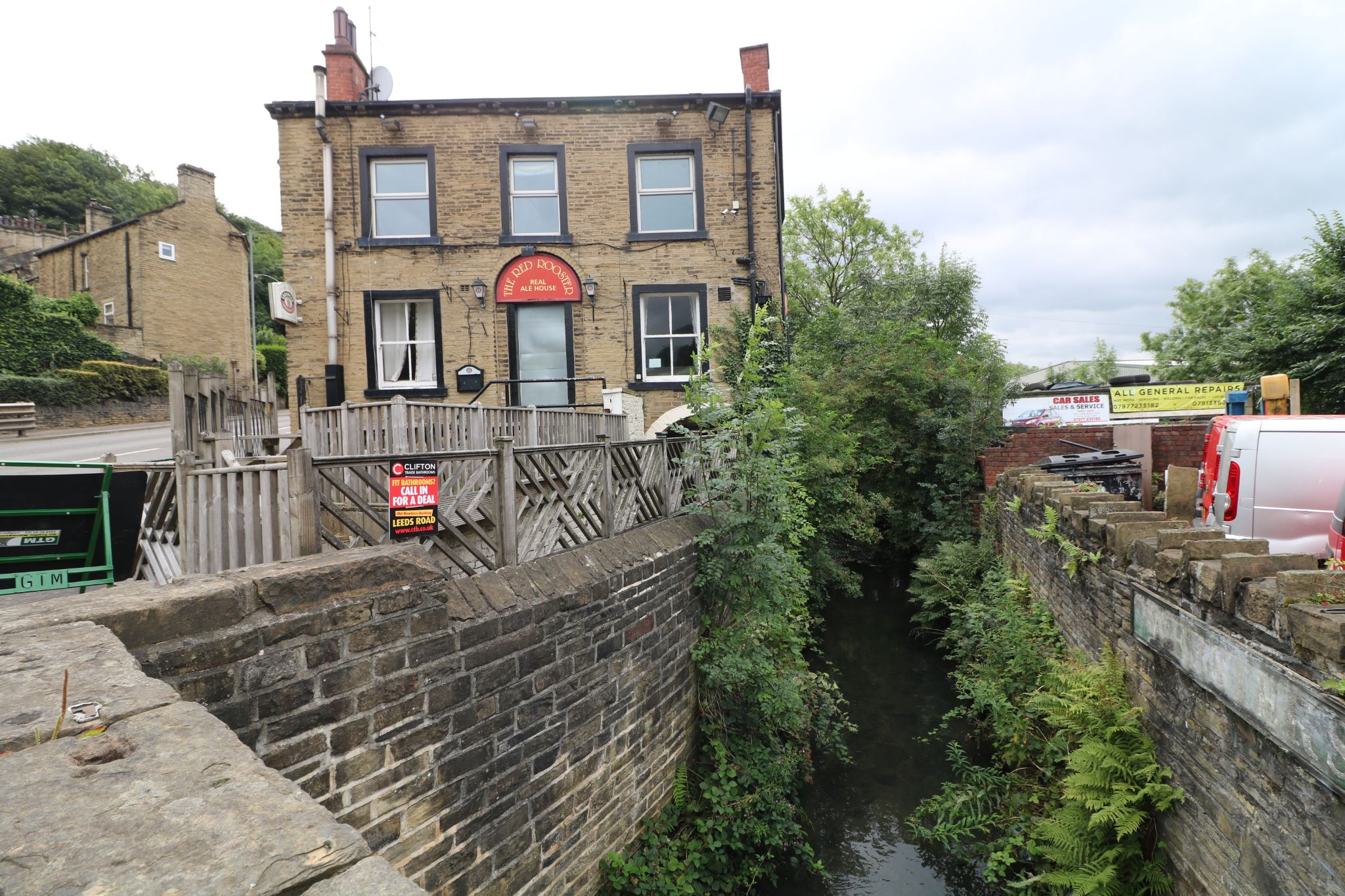 3 Bedroom Public House To Rent - Photograph 1