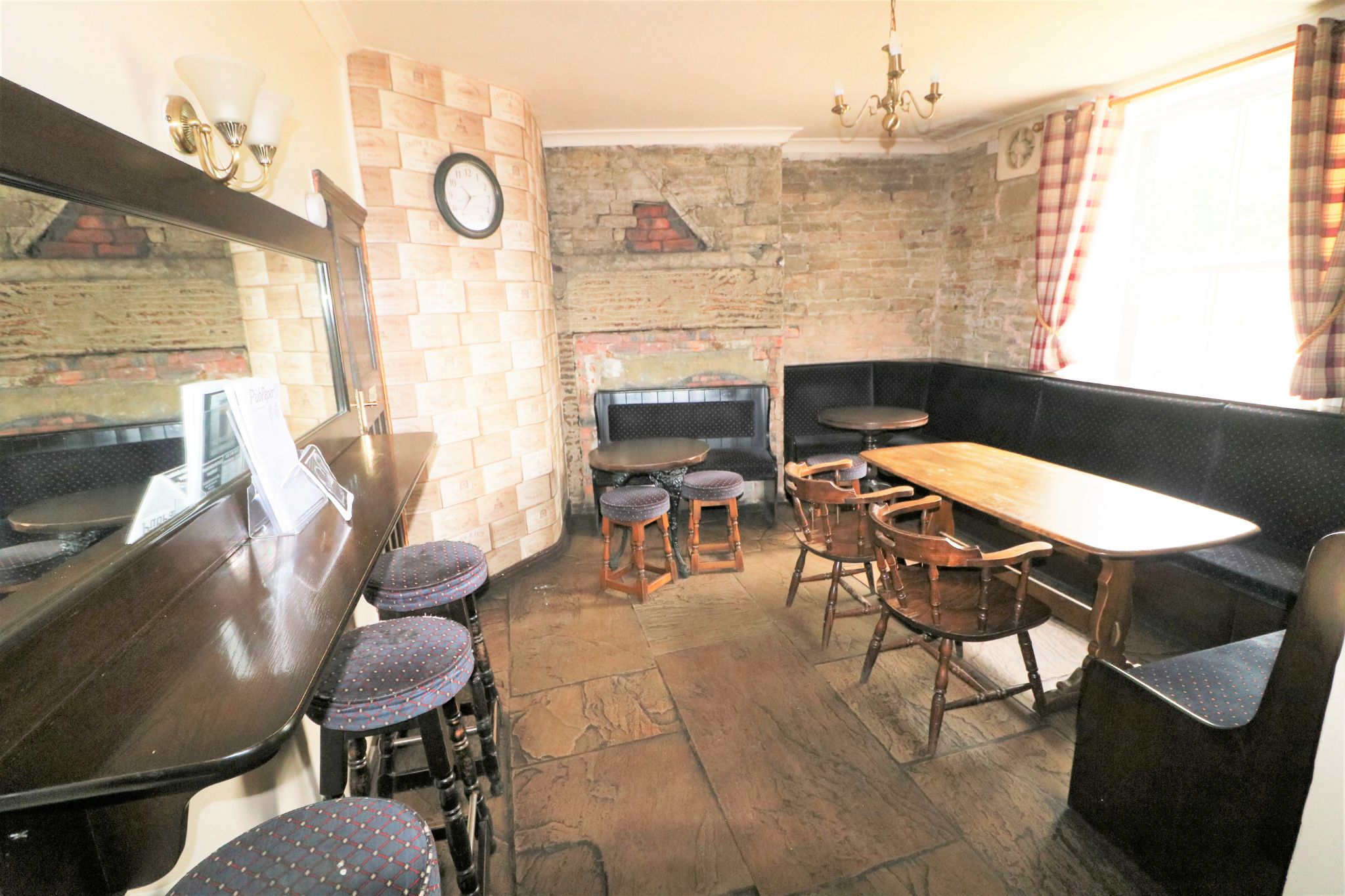 3 Bedroom Public House To Rent - Photograph 6