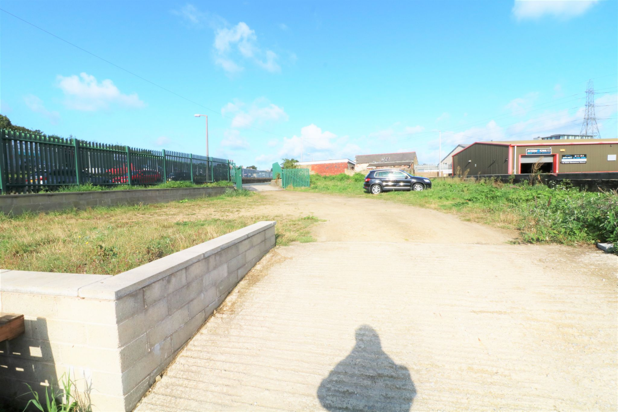 Industrial Units To Rent - Photograph 9