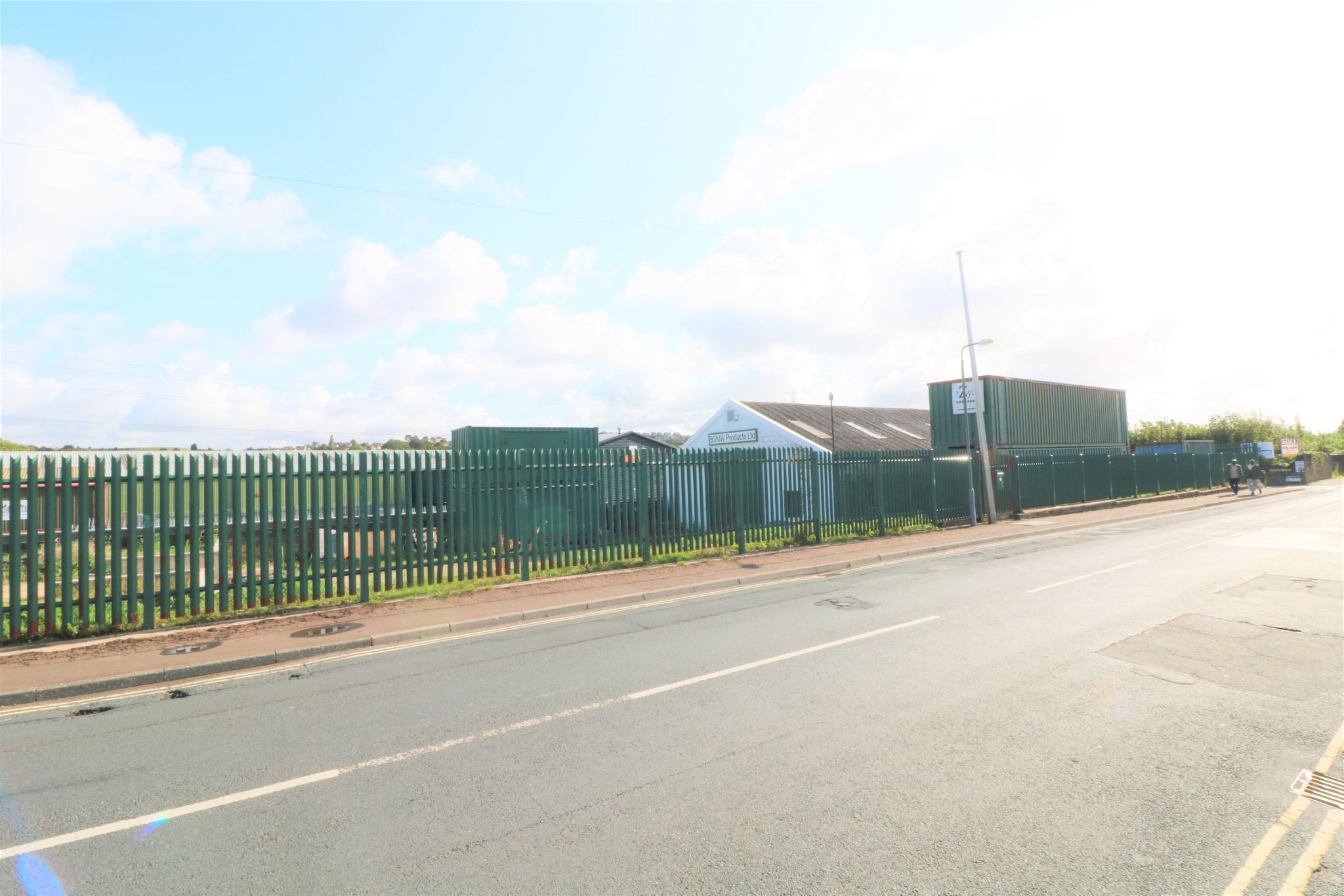 Industrial Units To Rent - Photograph 8