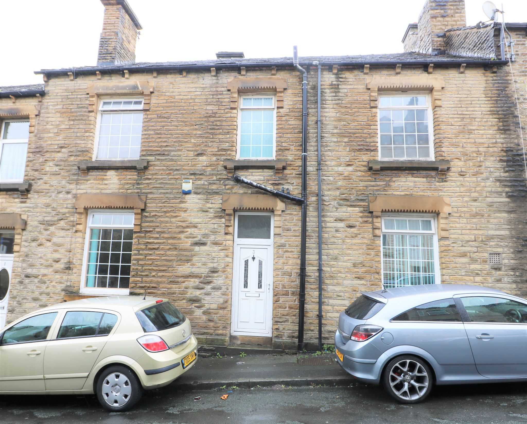 4 Bedroom Town House For Sale - Photograph 1