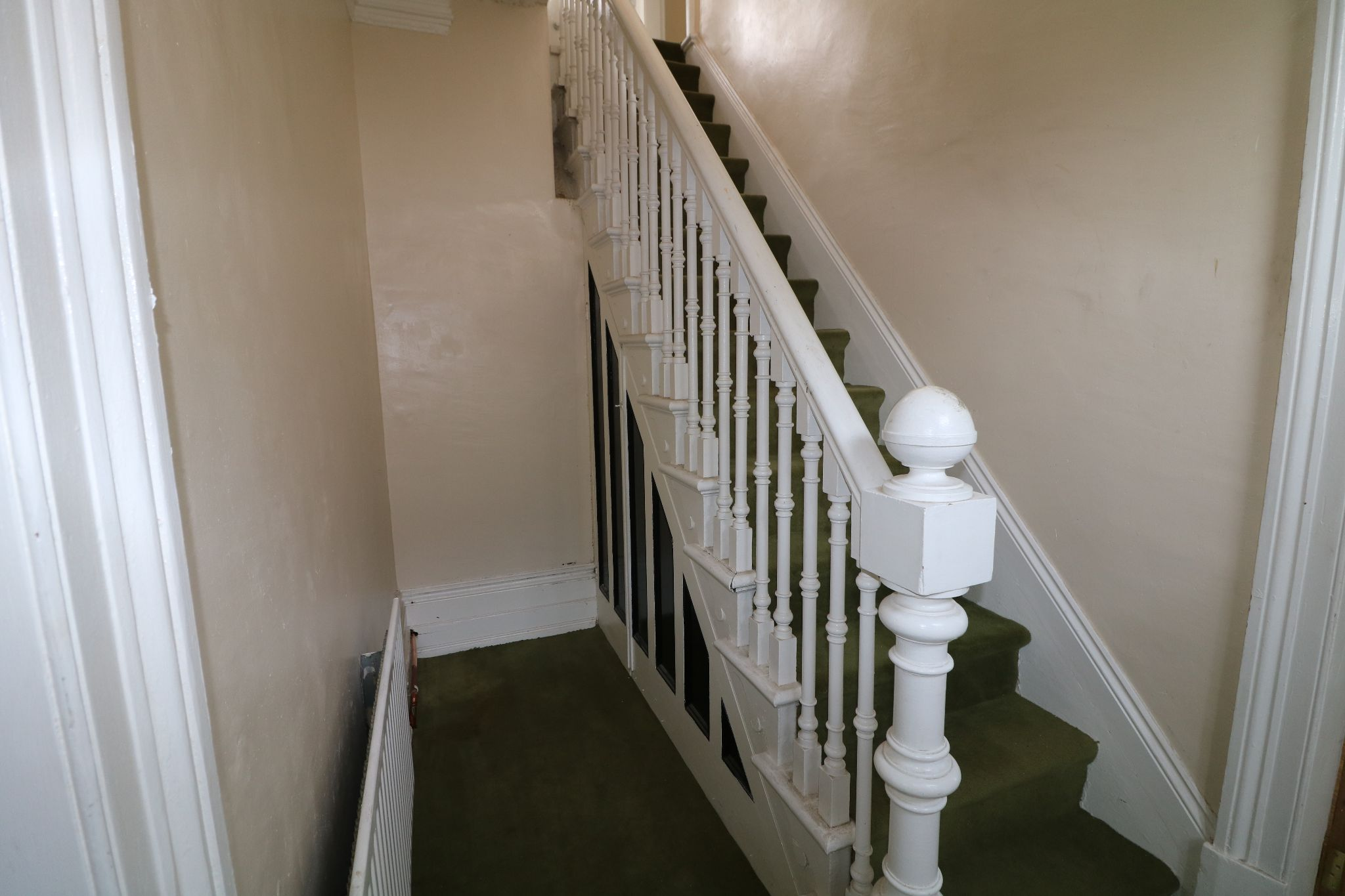 4 Bedroom Town House For Sale - Hallway