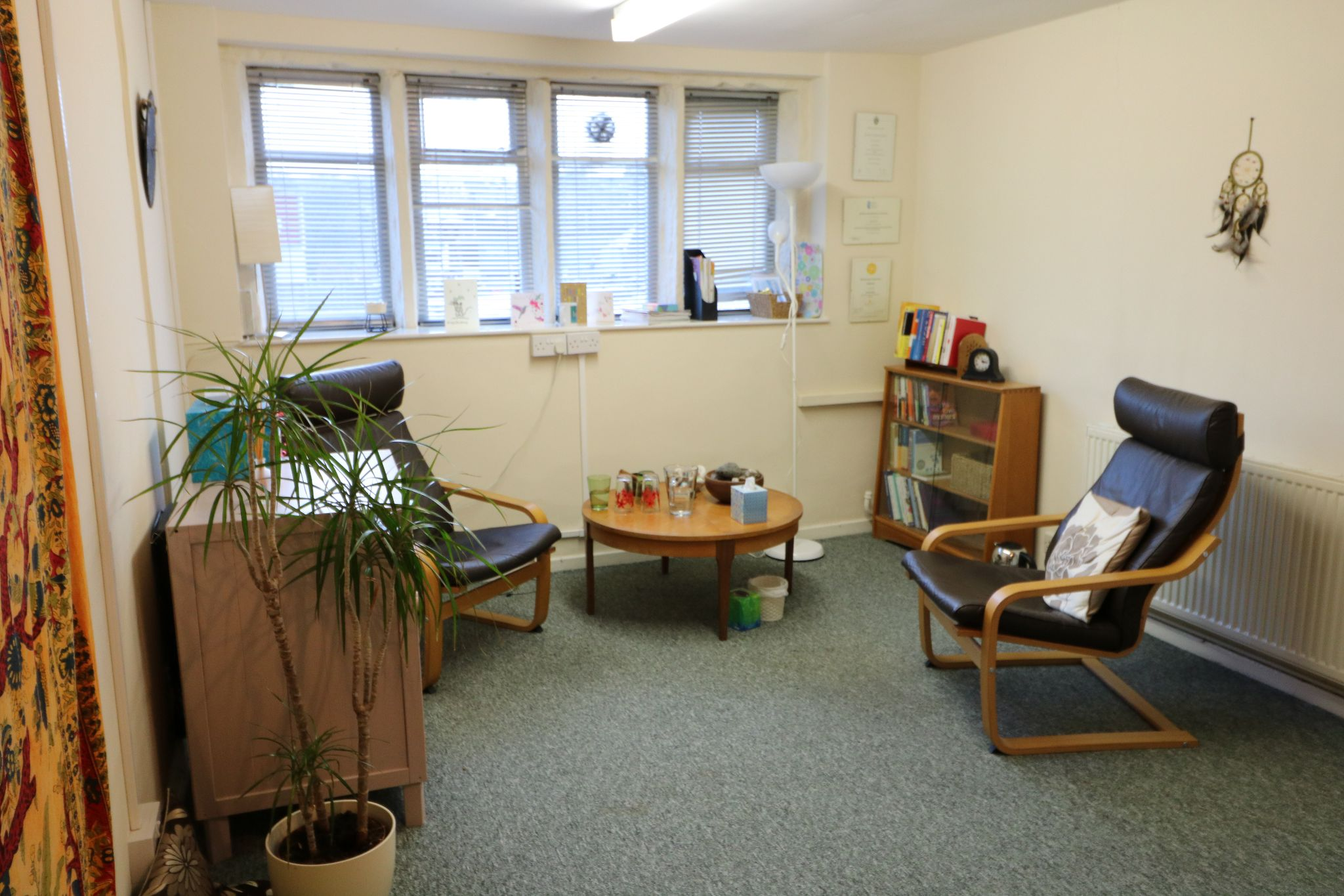 Serviced Offices To Rent - Photograph 2