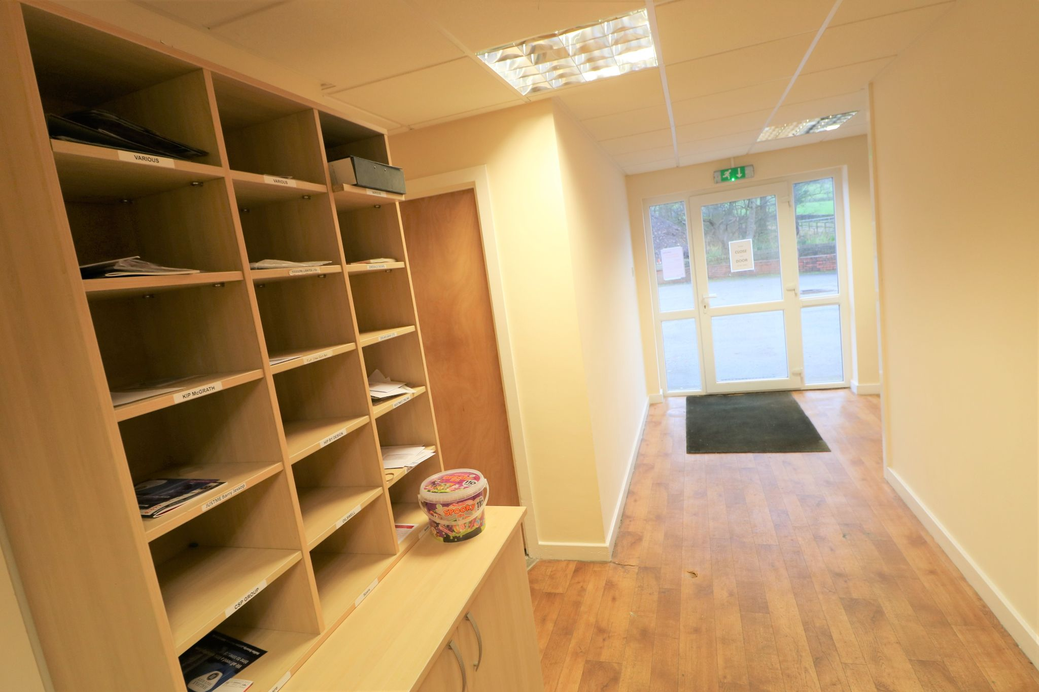Office To Rent - Photograph 6