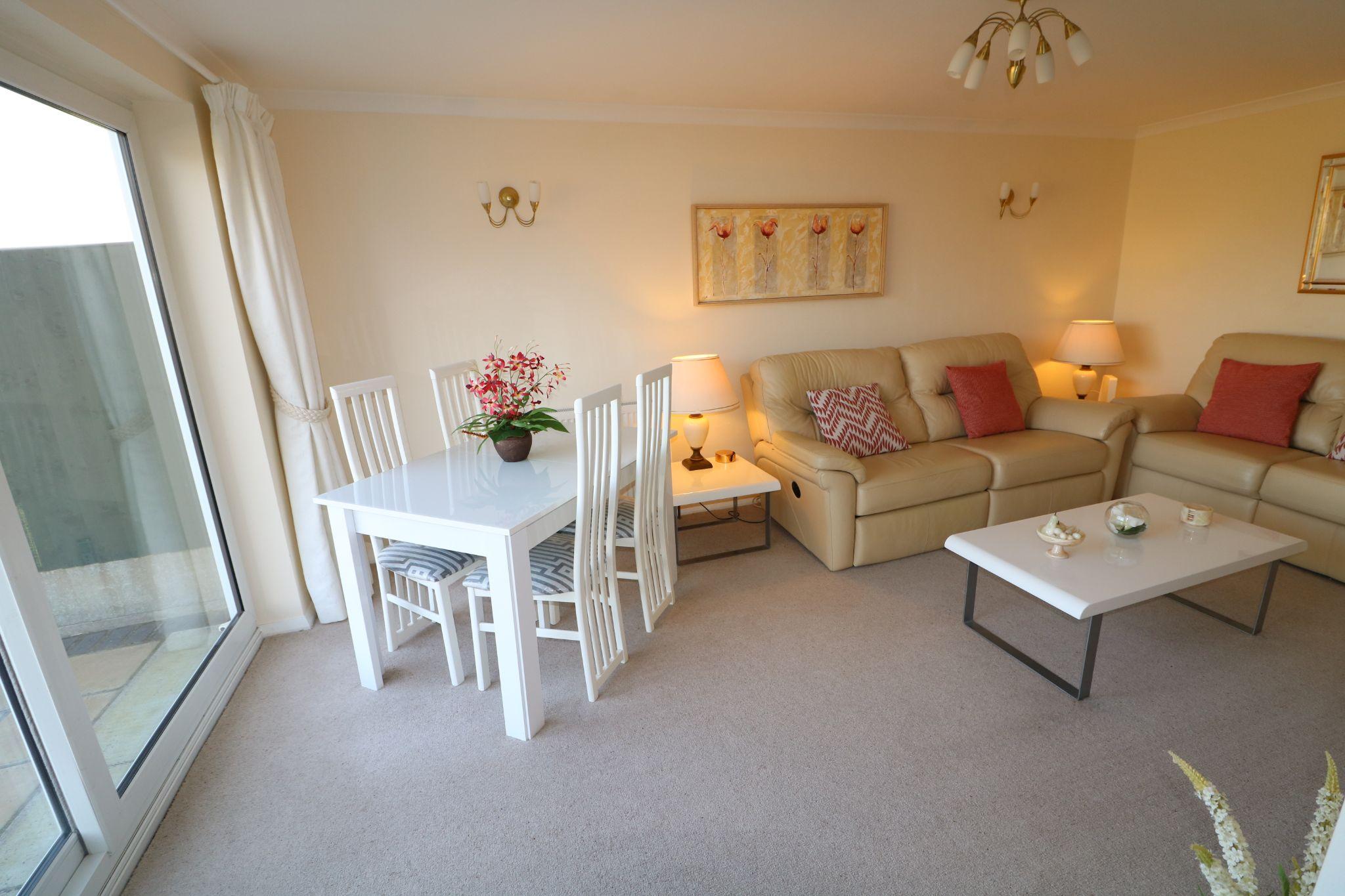 2 Bedroom Detached Bungalow For Sale - Photograph 6