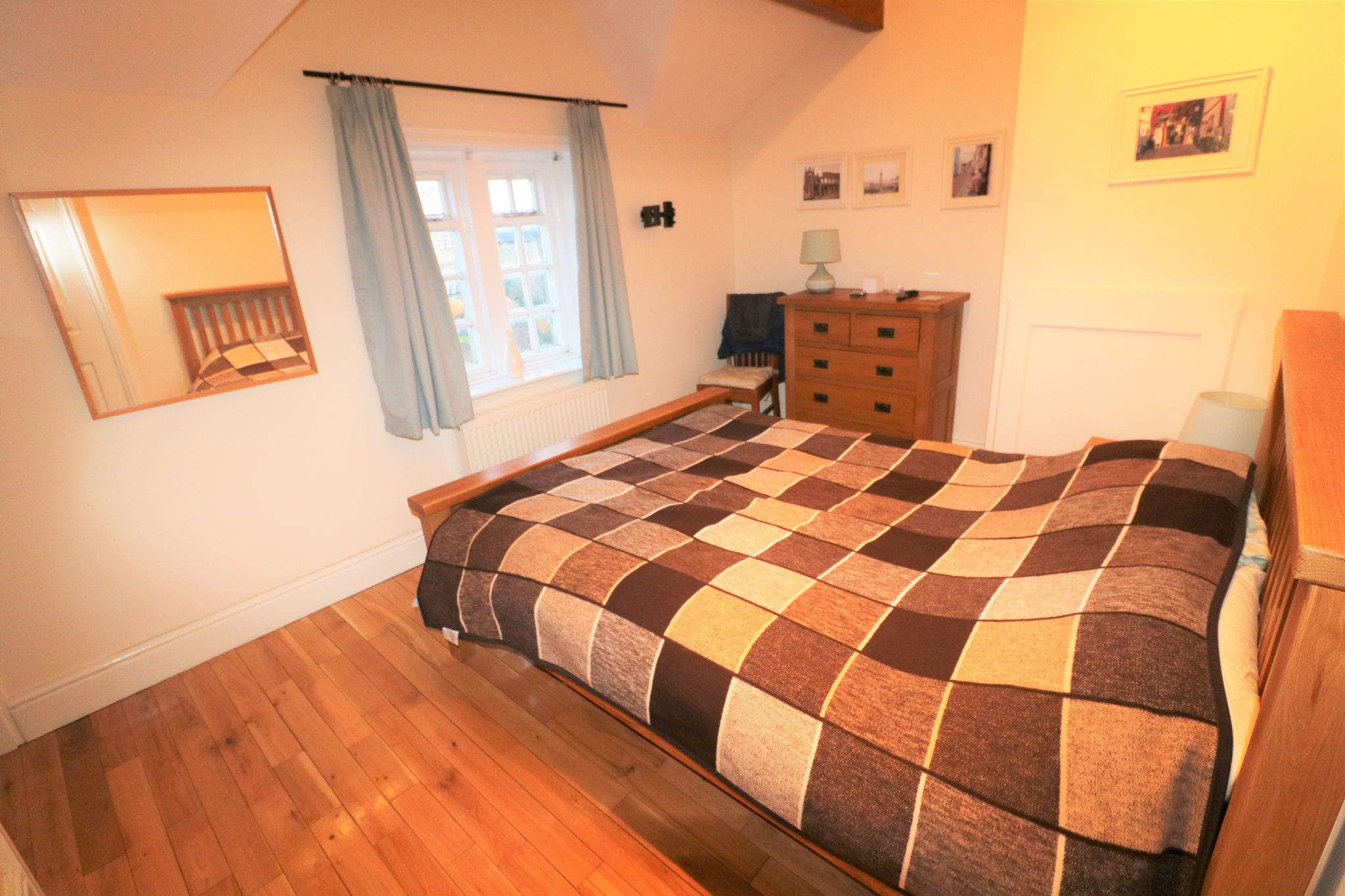 2 Bedroom Cottage House For Sale - Photograph 6