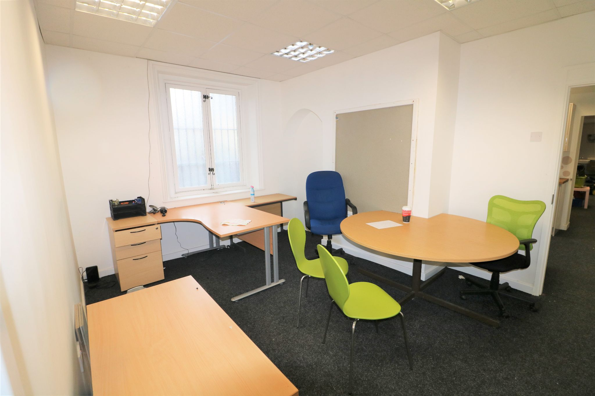 Office To Rent - Photograph 11