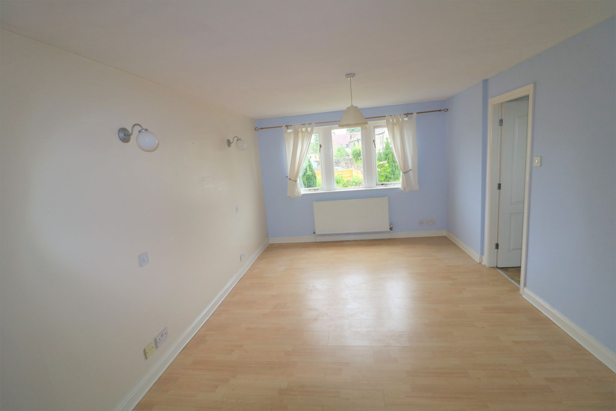 4 Bedroom Detached House For Sale - Photograph 17