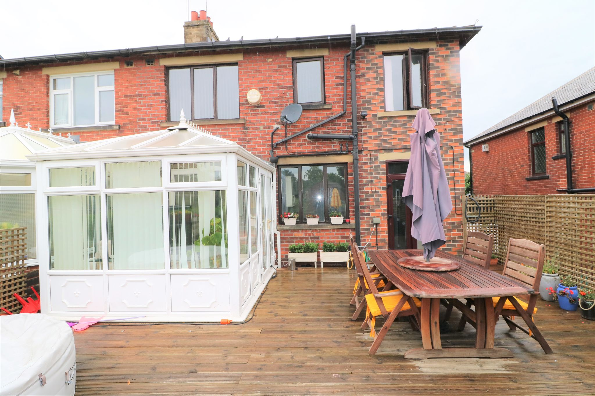4 Bedroom Semi-detached House For Sale - Photograph 24