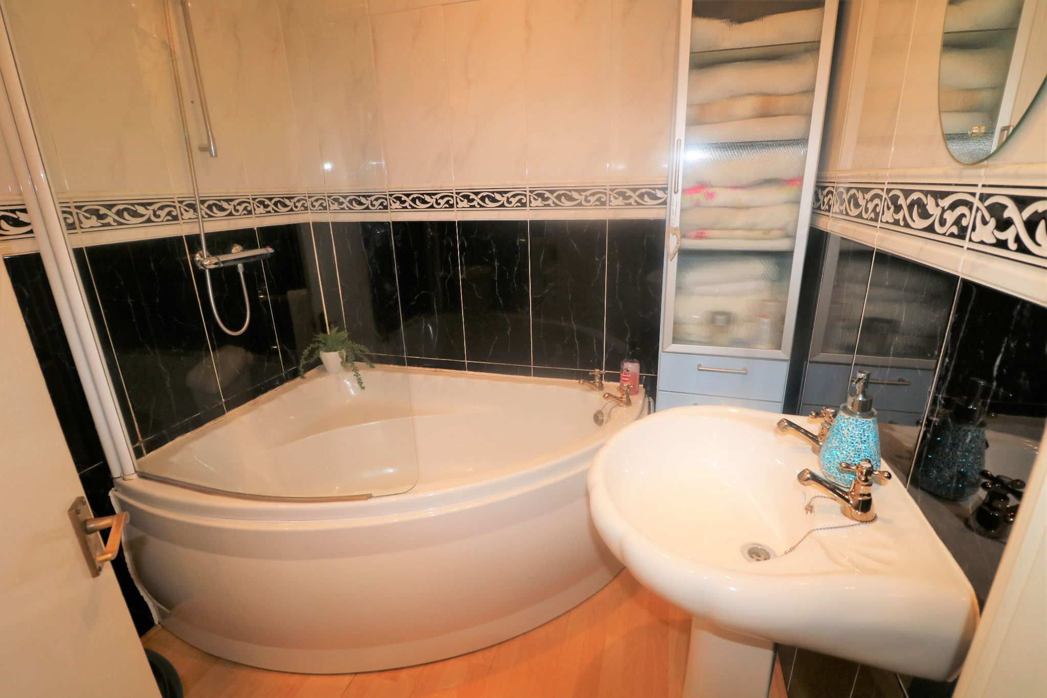 4 Bedroom End Terraced House For Sale - Photograph 11