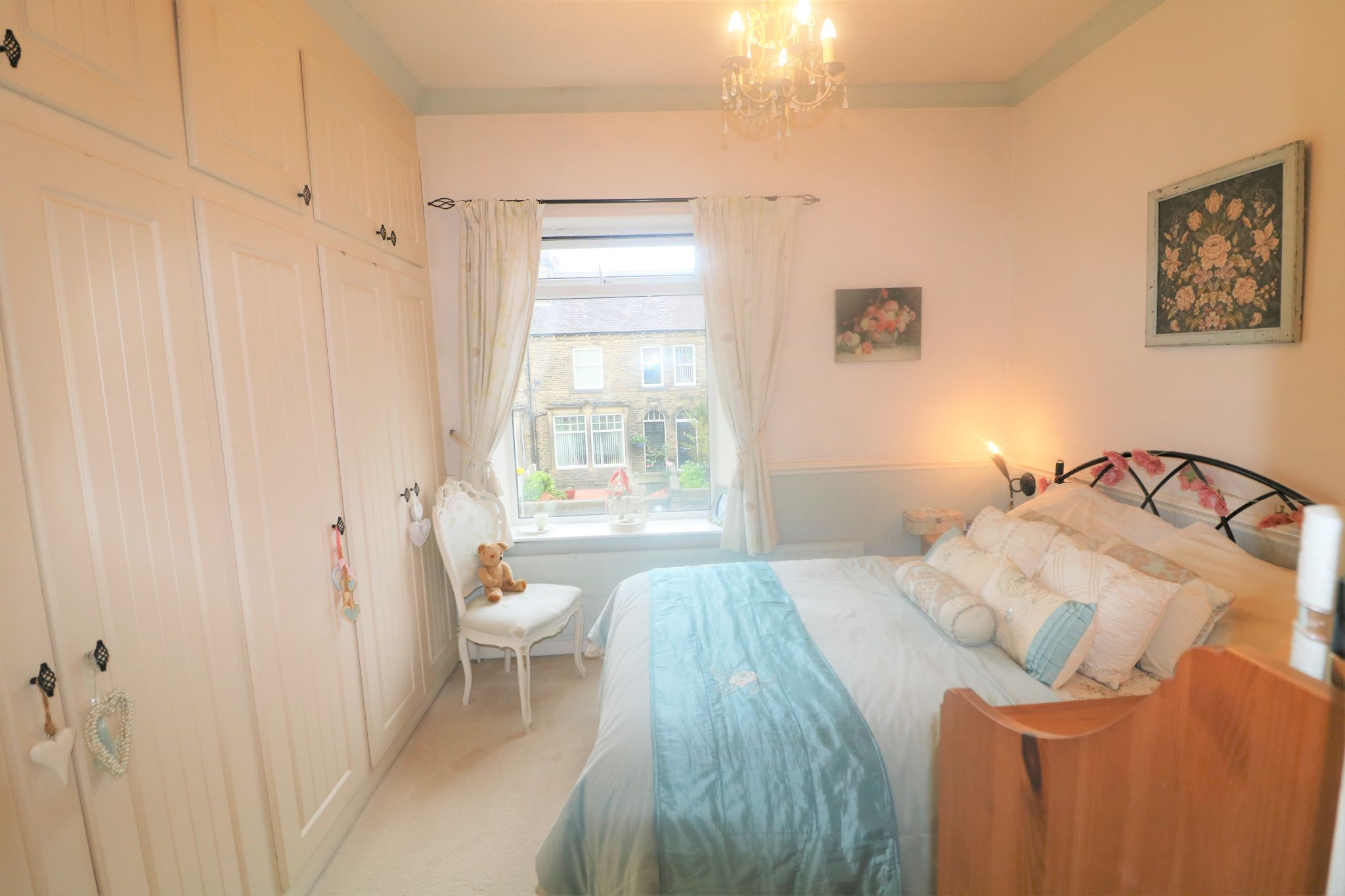 4 Bedroom End Terraced House For Sale - Photograph 12