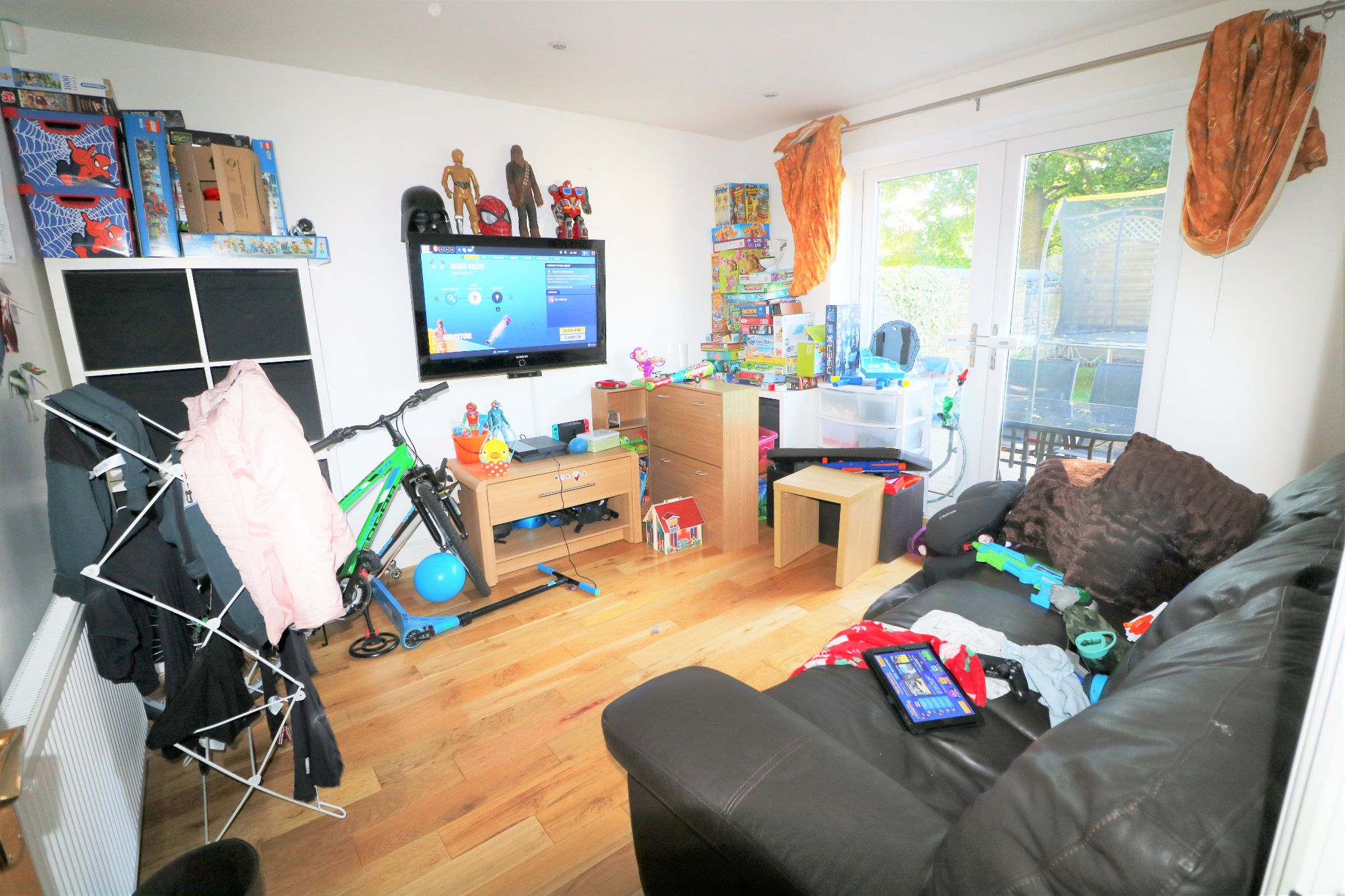 4 Bedroom Detached Dormer House For Sale - Photograph 8