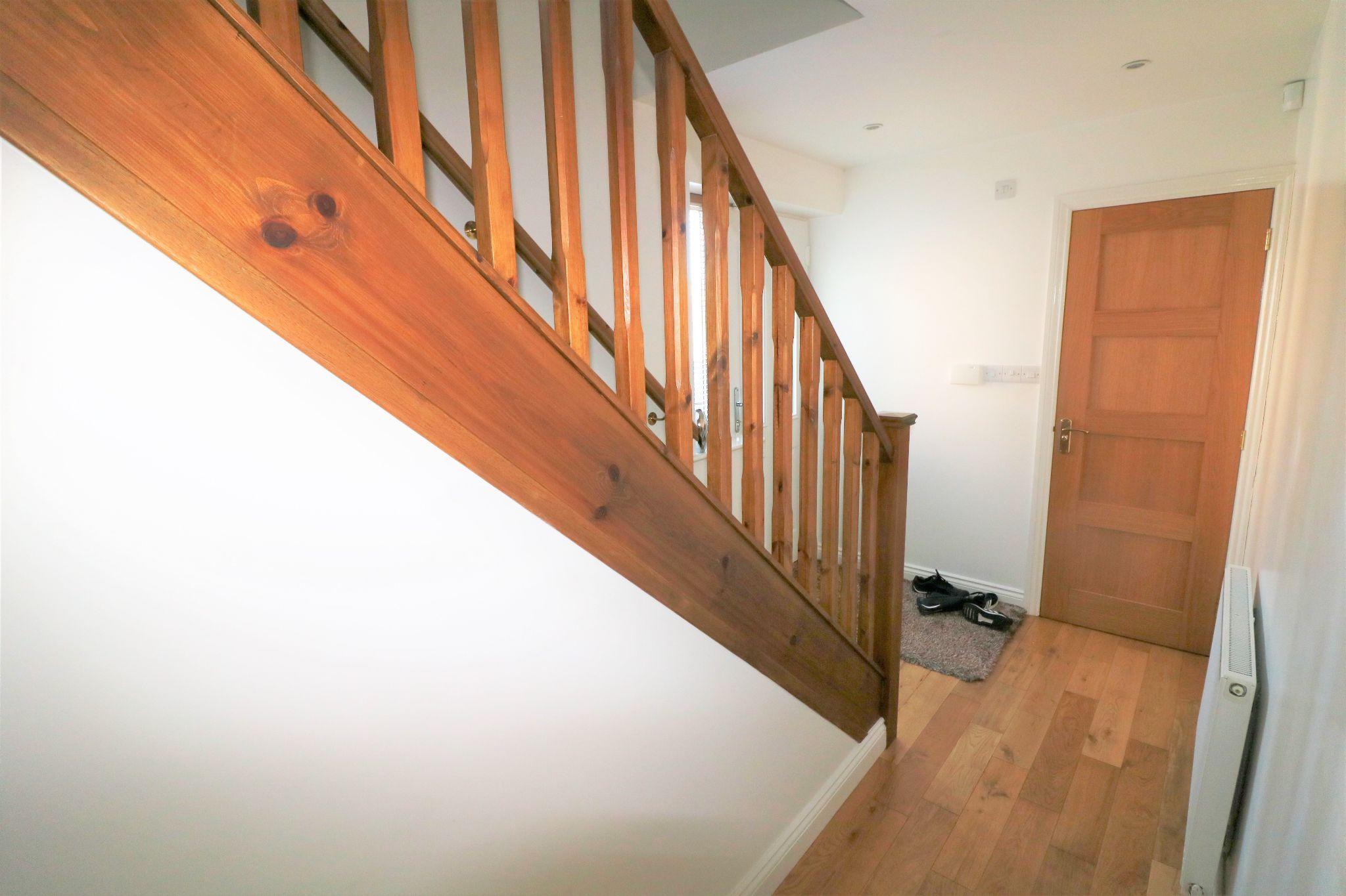 4 Bedroom Detached Dormer House For Sale - Photograph 6
