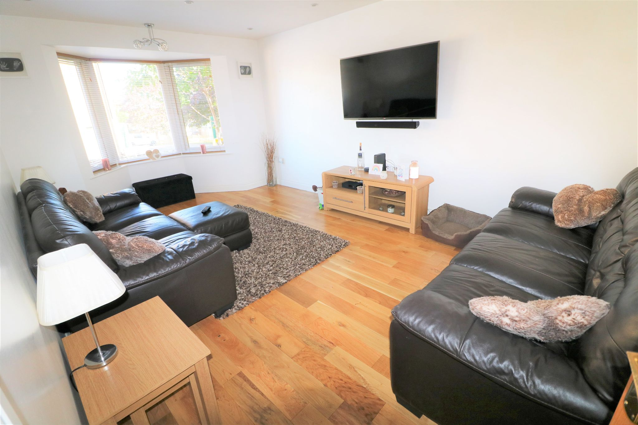 4 Bedroom Detached Dormer House For Sale - Photograph 9