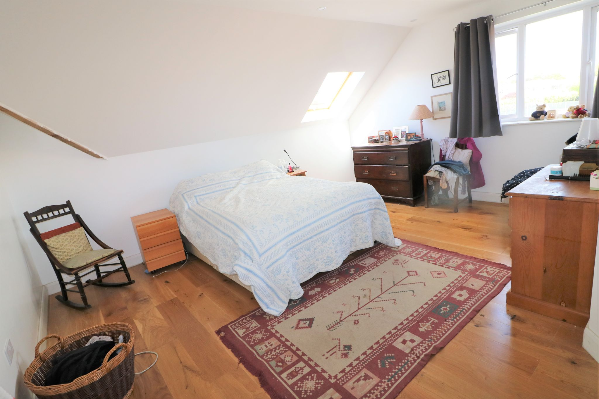 4 Bedroom Detached House For Sale - Photograph 8
