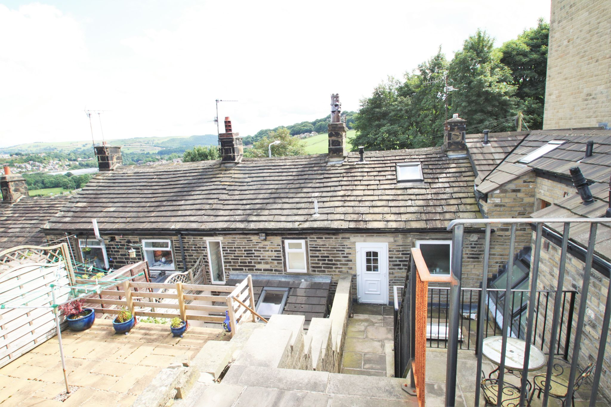 1 Bedroom Cottage House For Sale - REAR