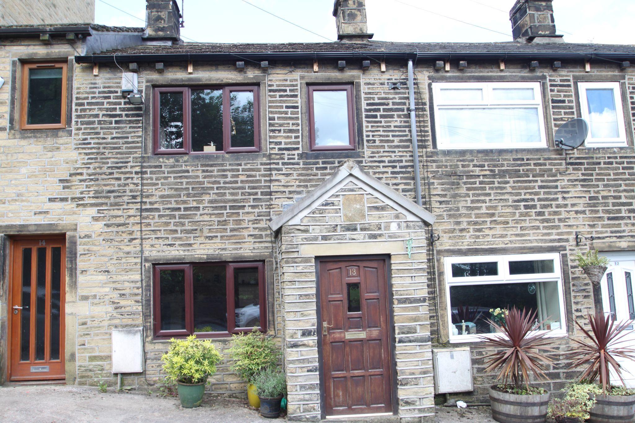 1 Bedroom Cottage House For Sale - FRONT