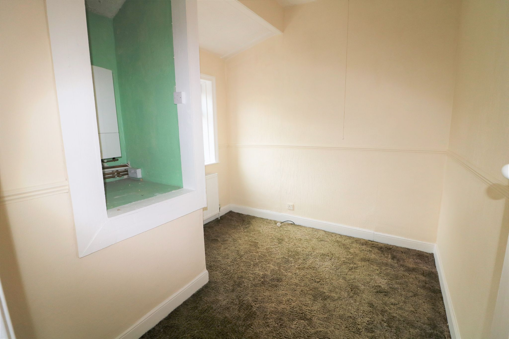 2 Bedroom Cottage House For Sale - Photograph 13