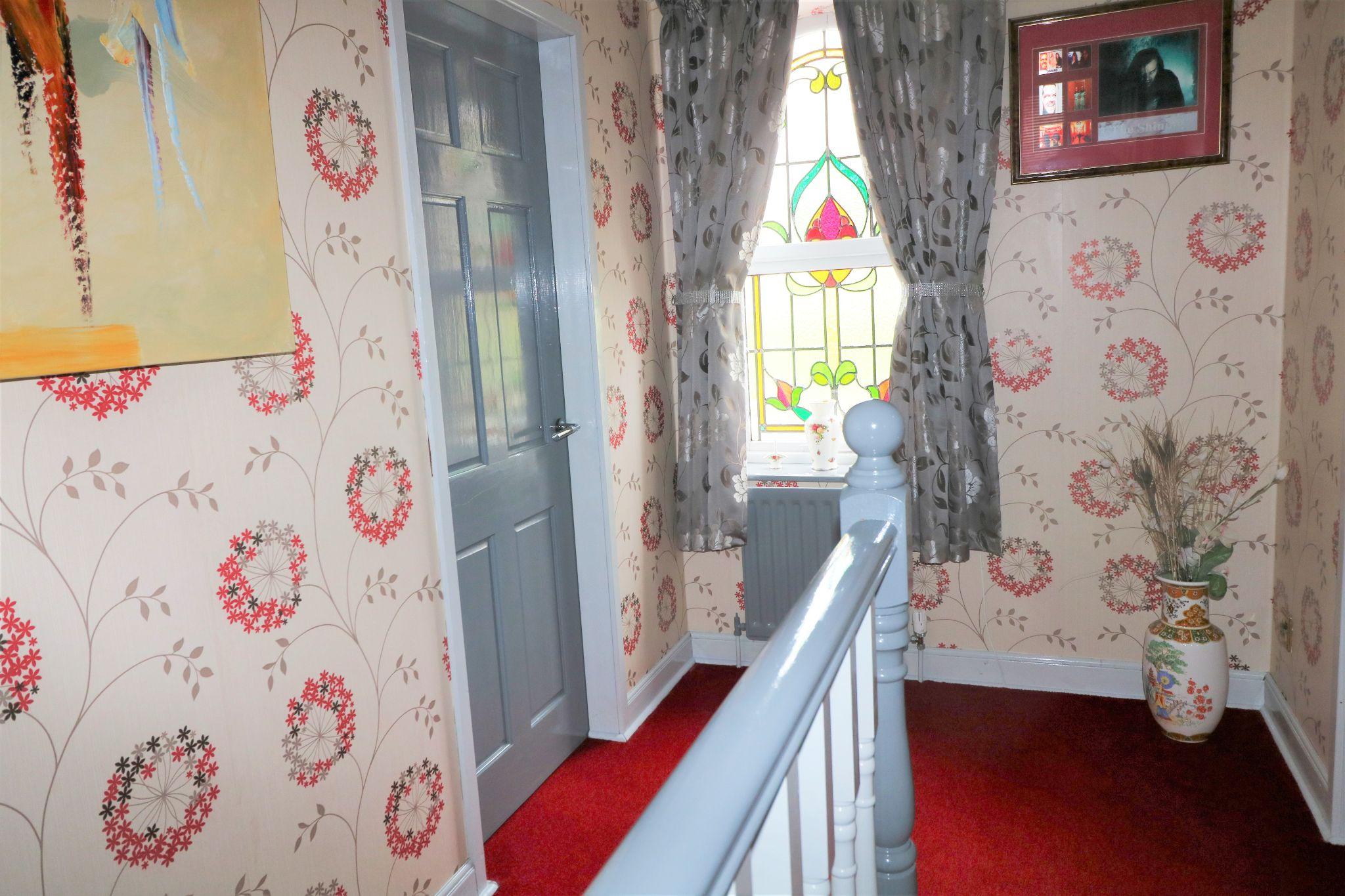 3 Bedroom Detached House For Sale - Landing