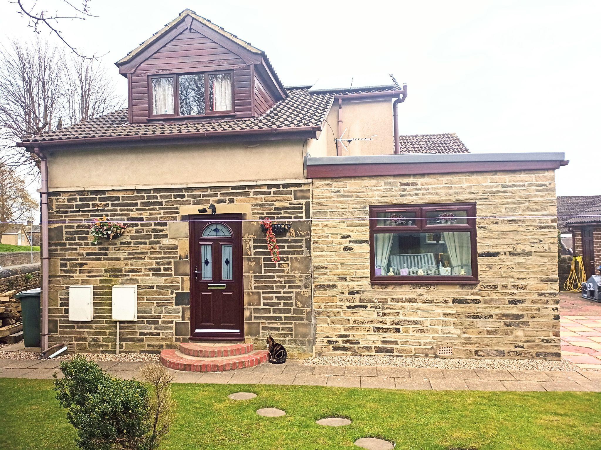 3 Bedroom Detached House For Sale - Front Door