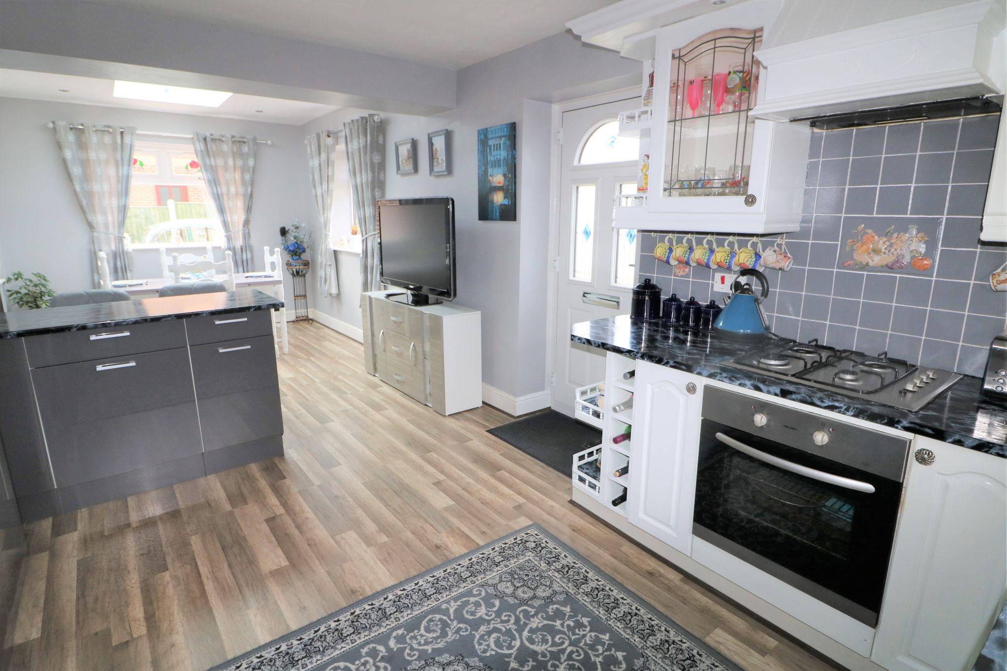 3 Bedroom Detached House For Sale - Kitchen/Diner