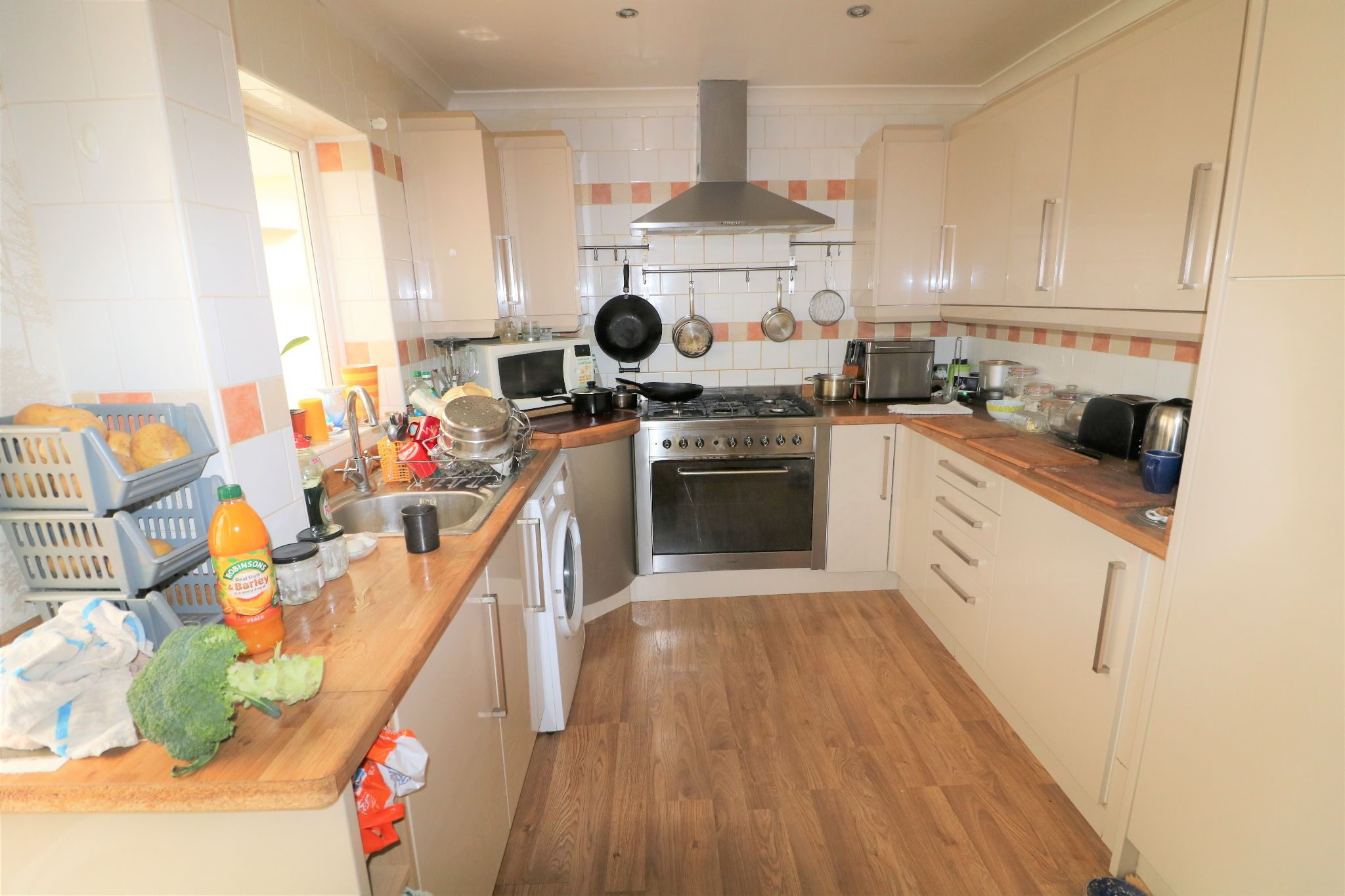 3 Bedroom Town House For Sale - Photograph 7