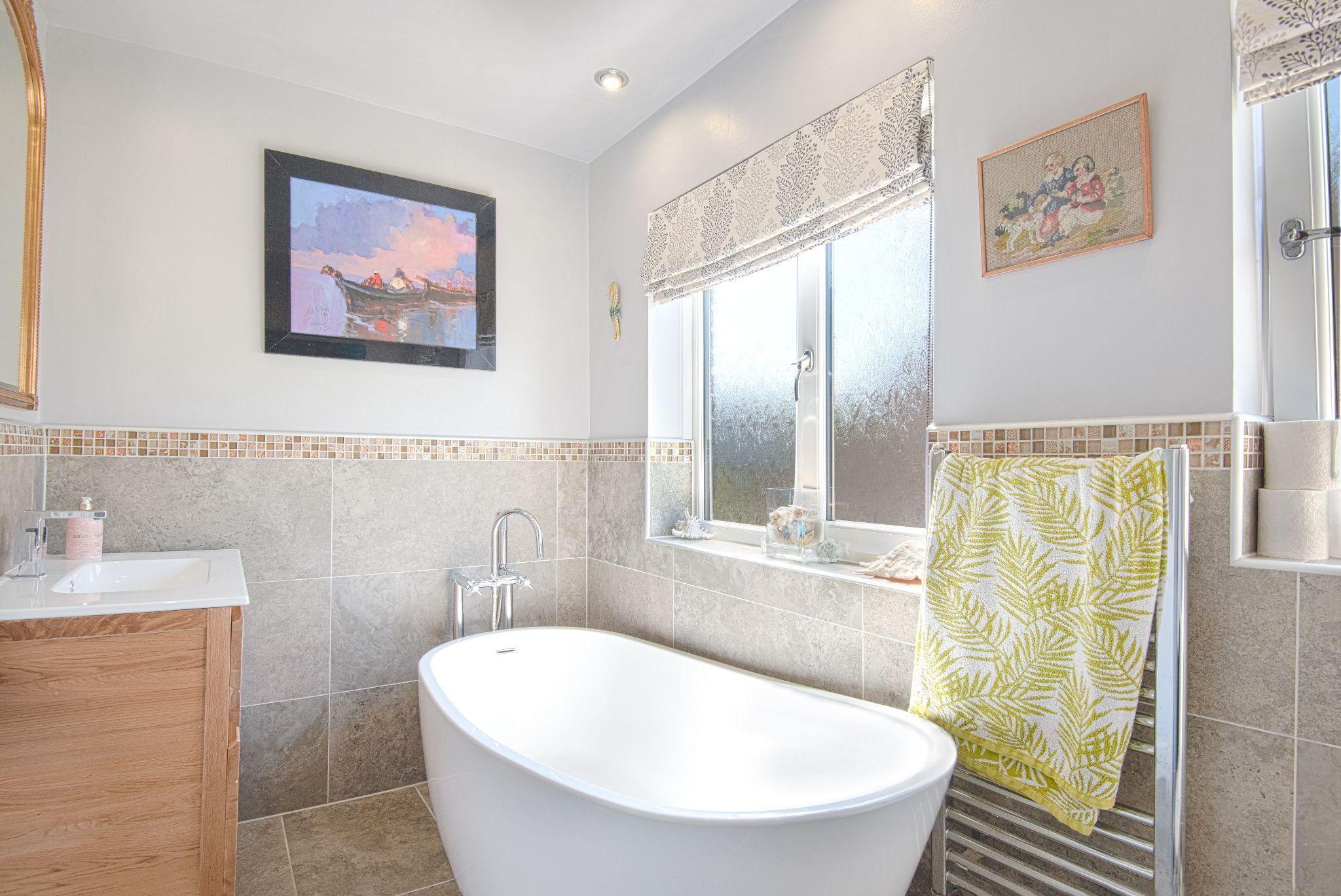 4 Bedroom Detached House For Sale - Photograph 30