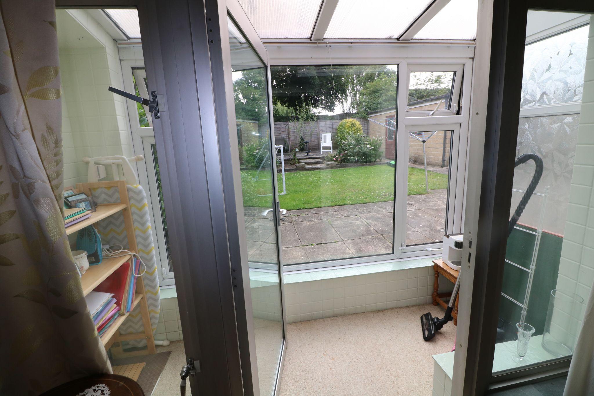 3 Bedroom Semi-detached Dormer House For Sale - Photograph 6