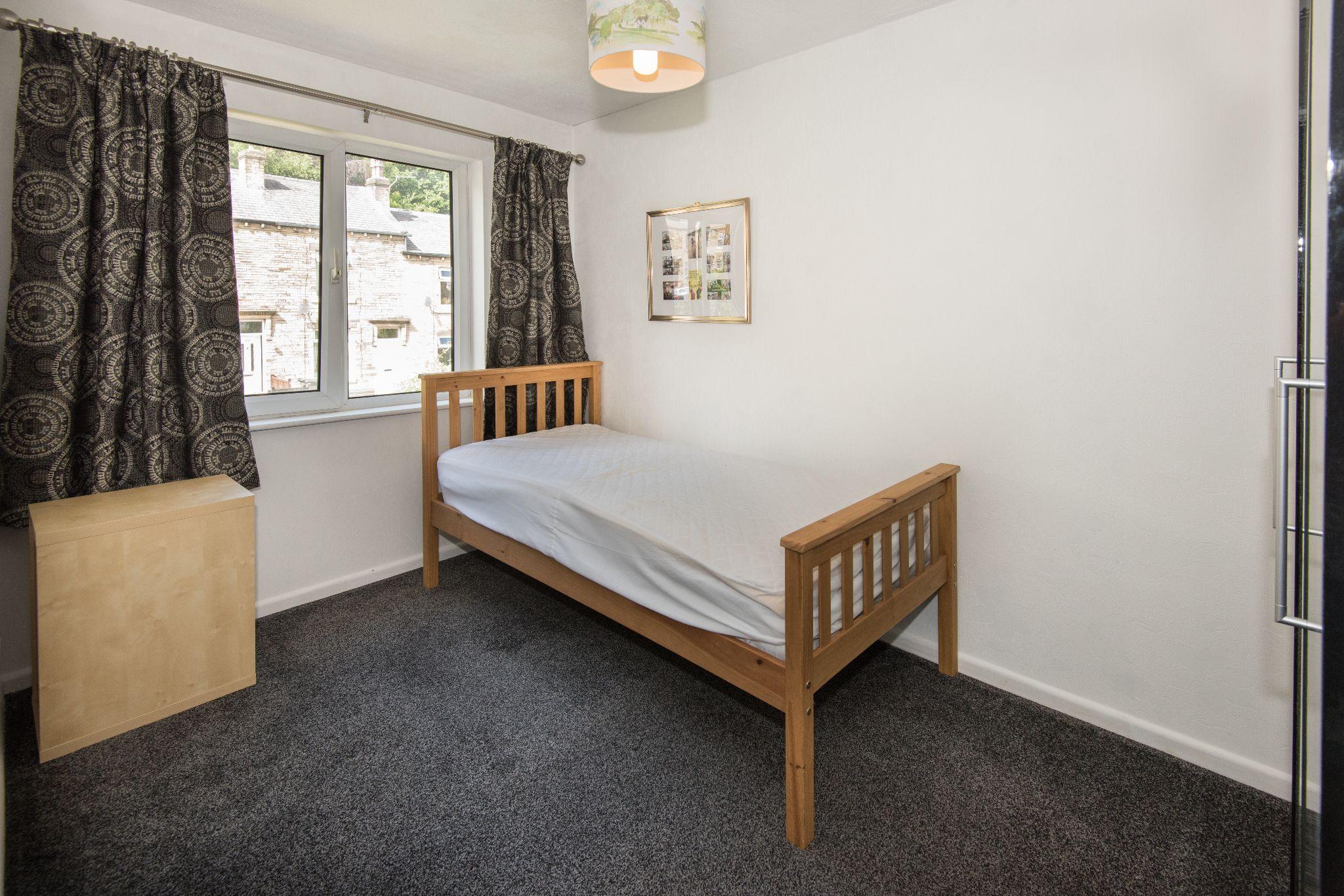 4 Bedroom Detached House For Sale - Bedroom