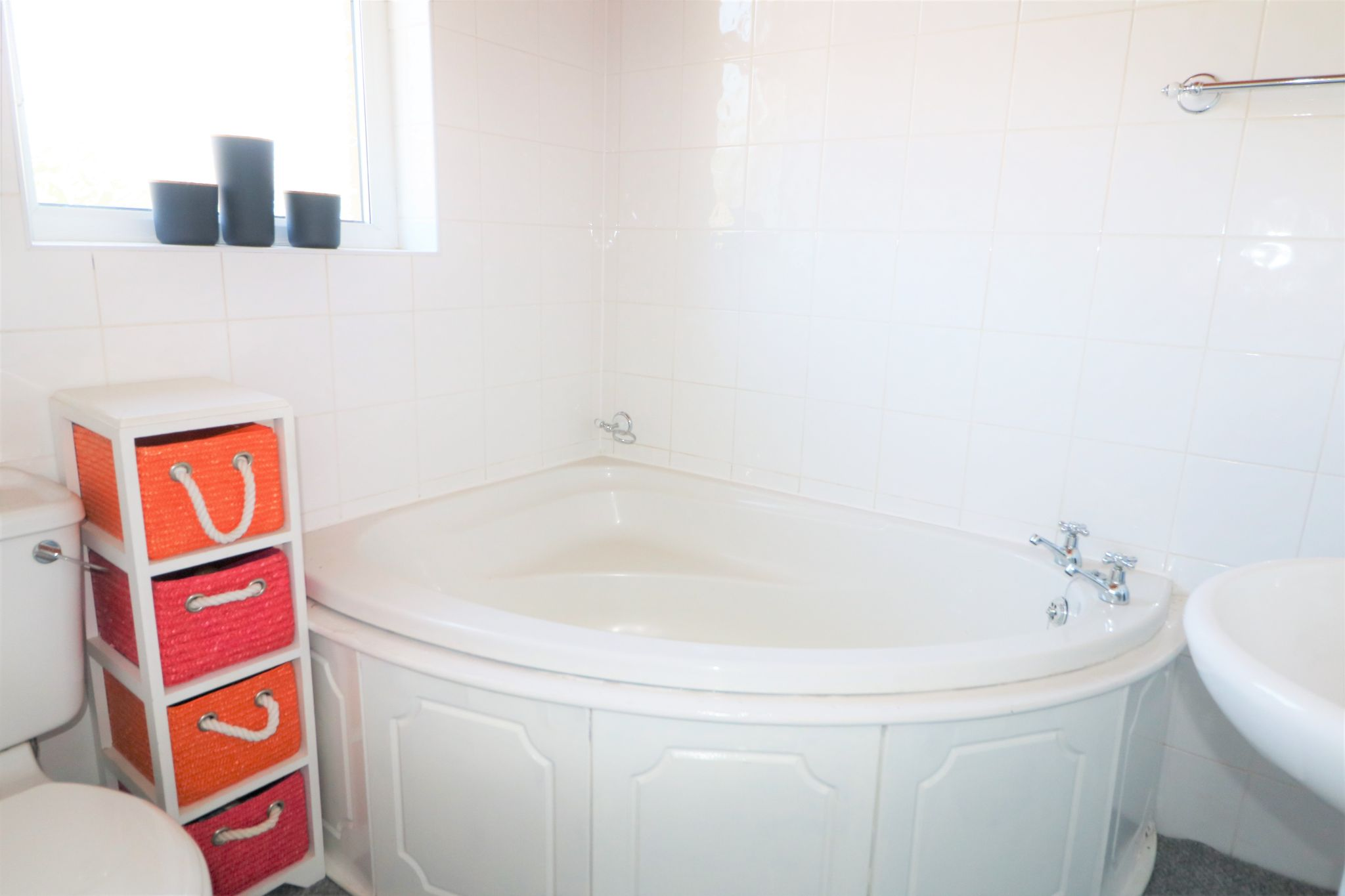 2 Bedroom Mid Terraced House To Rent - Photograph 7
