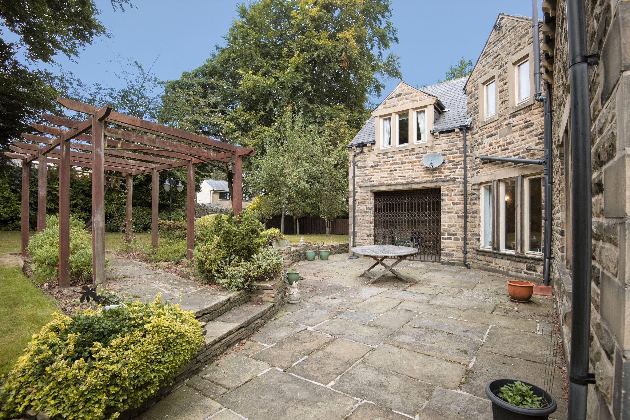 4 Bedroom Detached House For Sale - Photograph 34