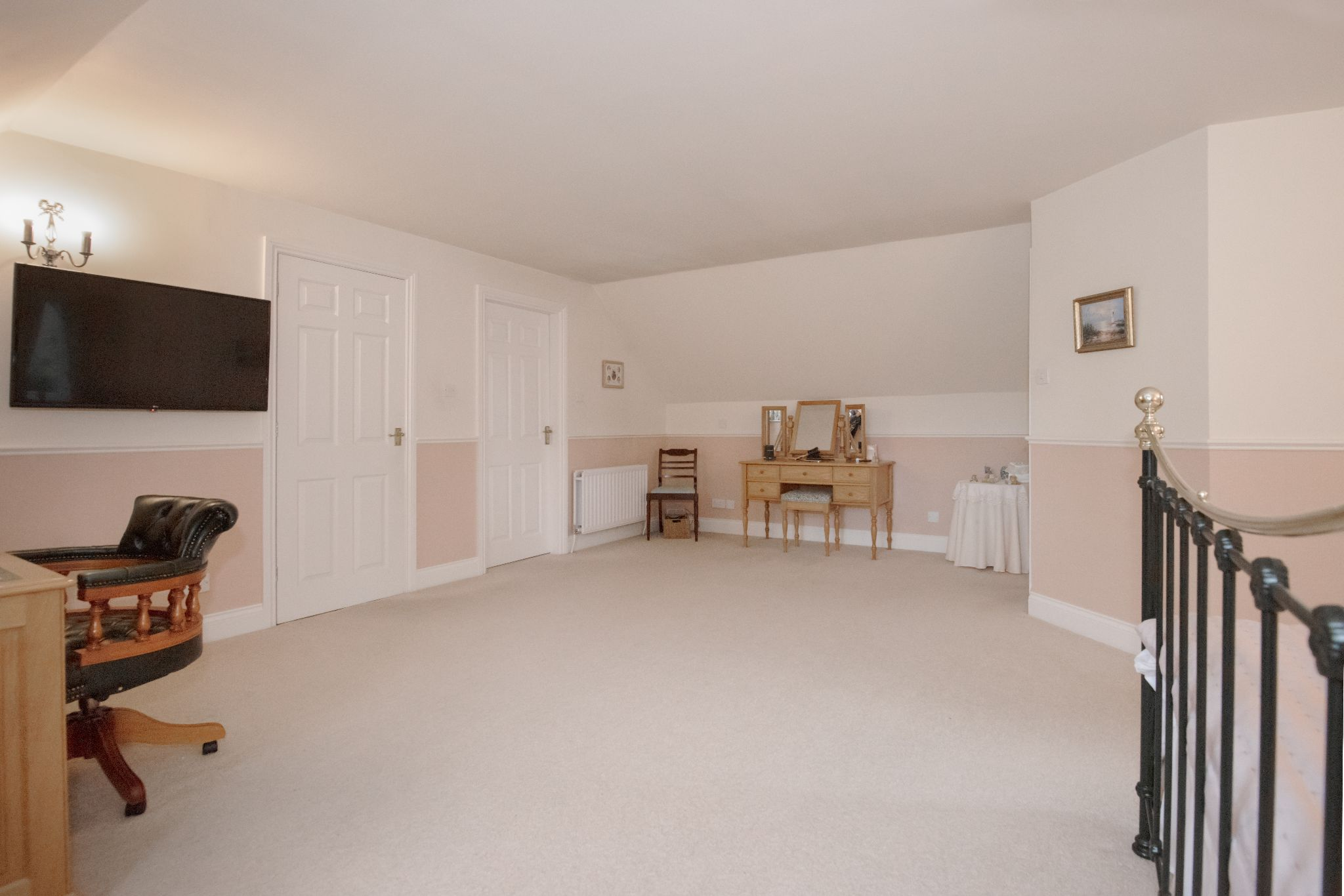 4 Bedroom Detached House For Sale - Photograph 29