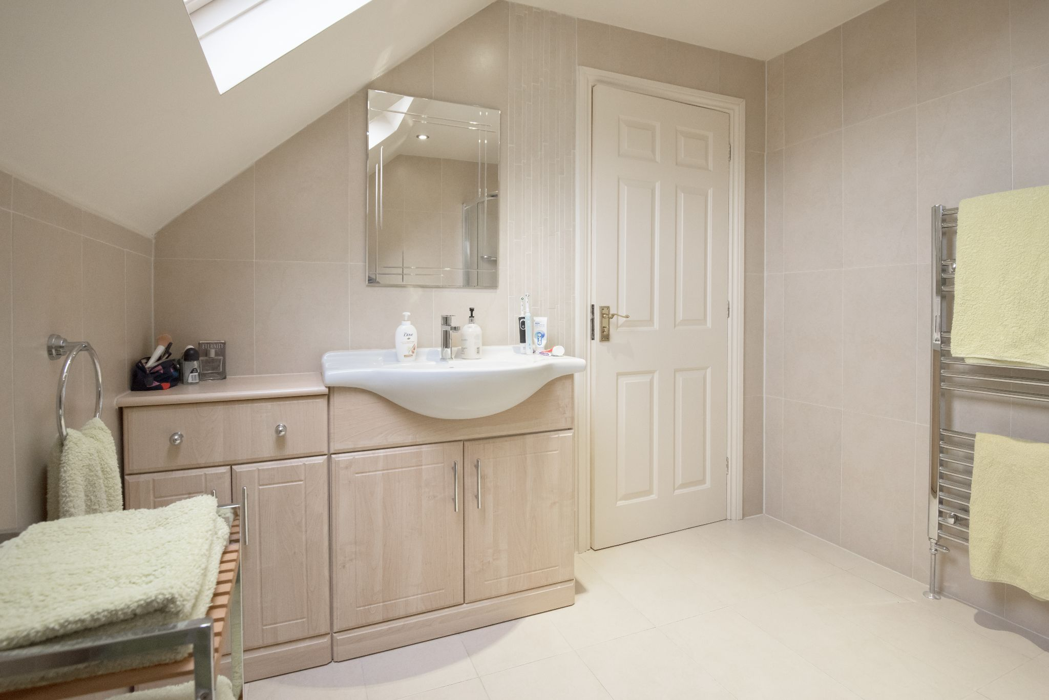 4 Bedroom Detached House For Sale - Photograph 31
