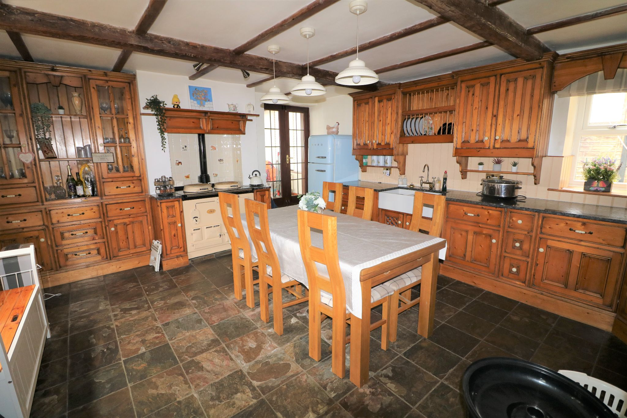 3 Bedroom Cottage House For Sale - Photograph 6