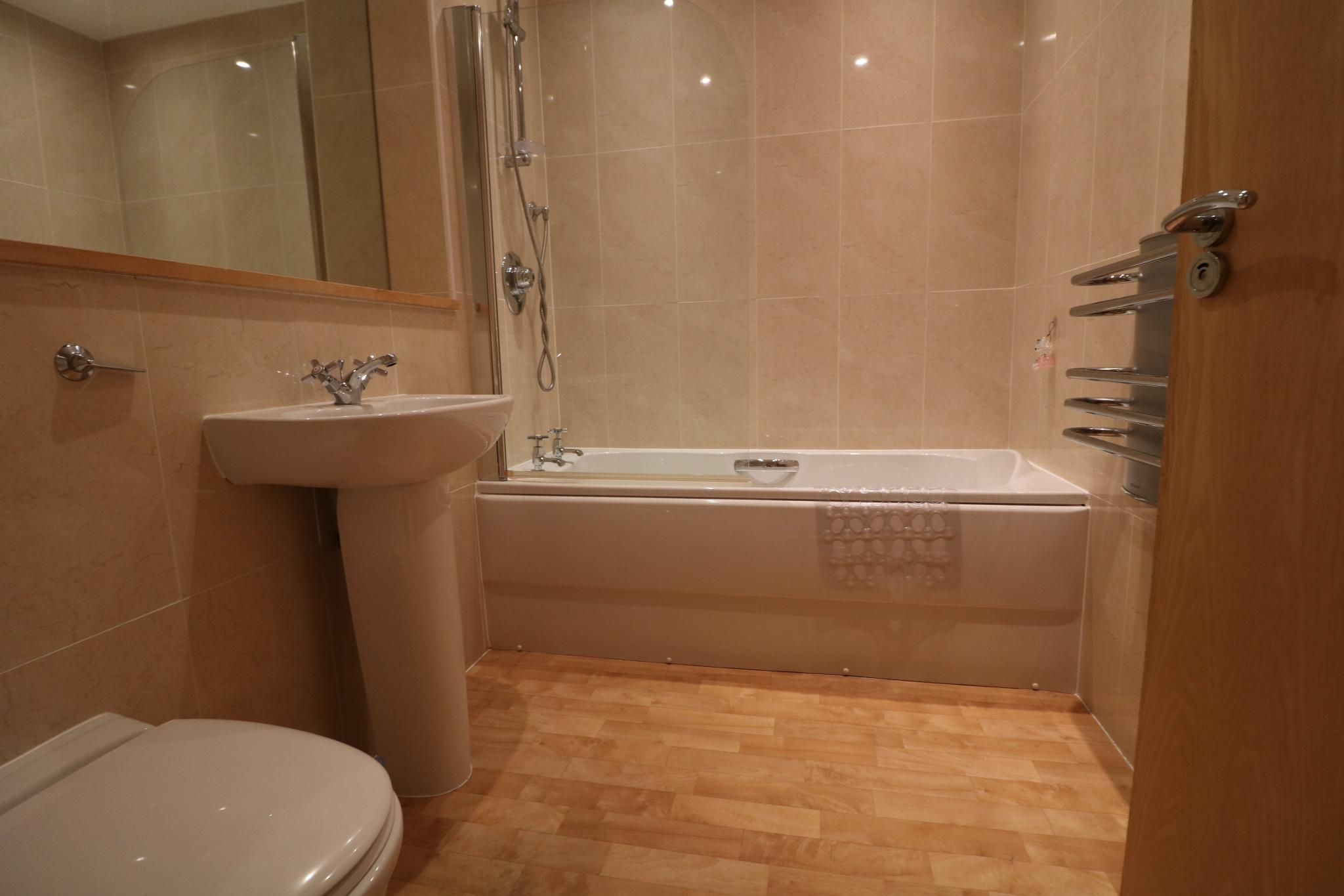 2 Bedroom Apartment Flat/apartment For Sale - House Bathroom