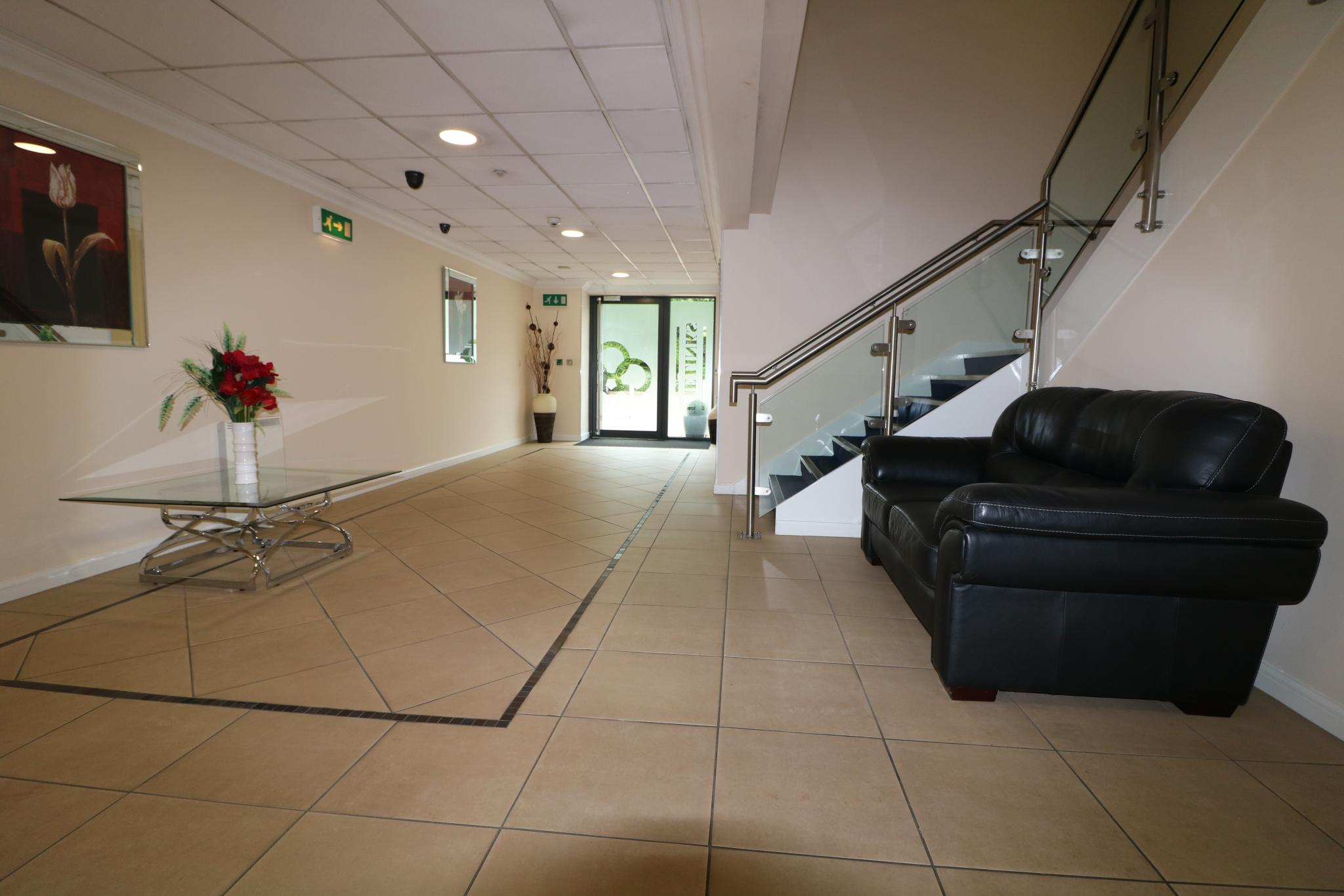 2 Bedroom Apartment Flat/apartment For Sale - Communal entrance