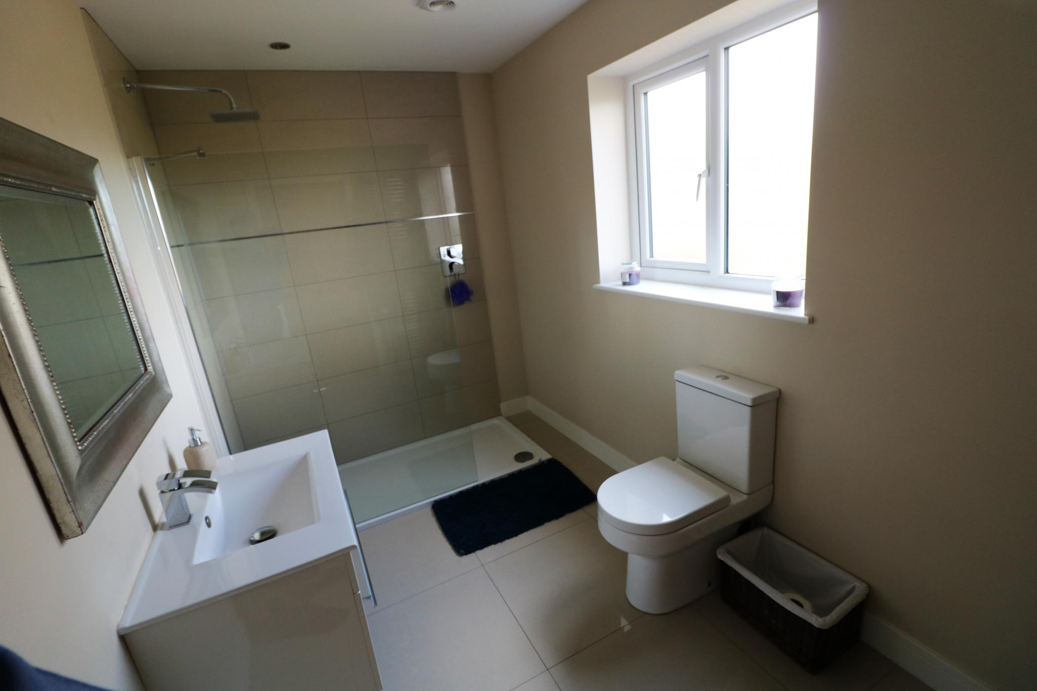 5 Bedroom Detached House For Sale - Photograph 28