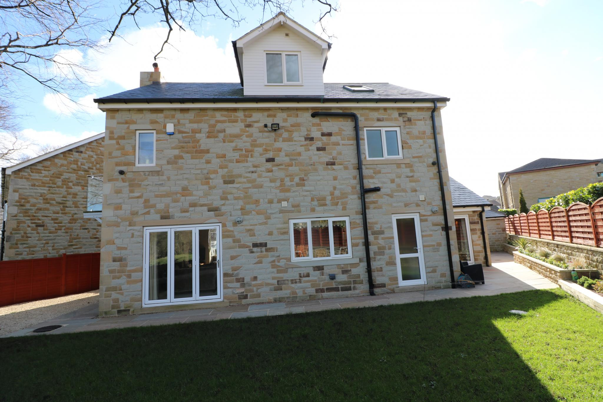 5 Bedroom Detached House For Sale - Photograph 25